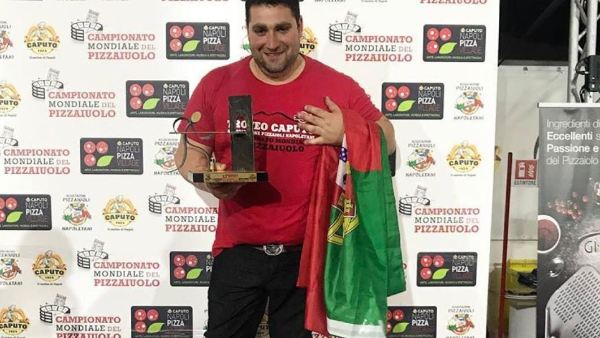 """Campeão mundial de pizza mora no Porto. """"Este país merece o melhor"""""""