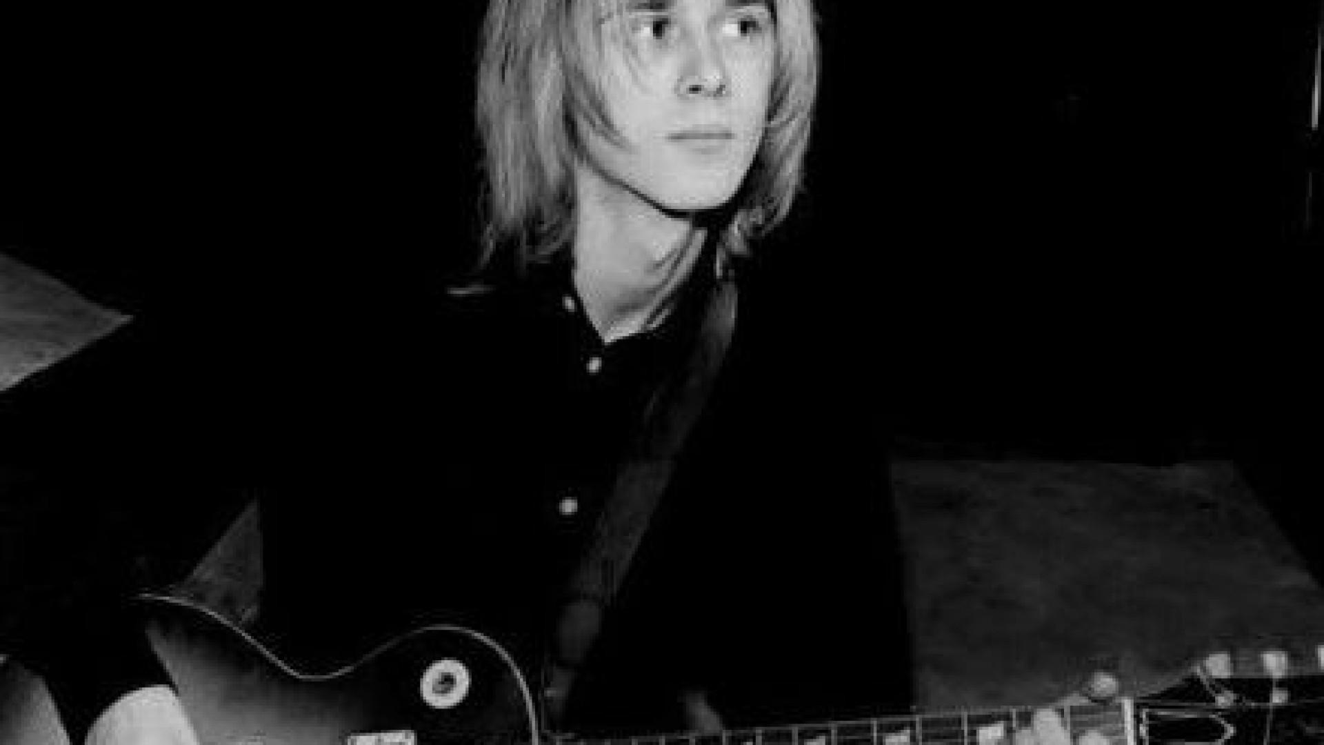 Morreu Danny Kirwan, guitarrista dos Fleetwood Mac. Tinha 68 anos