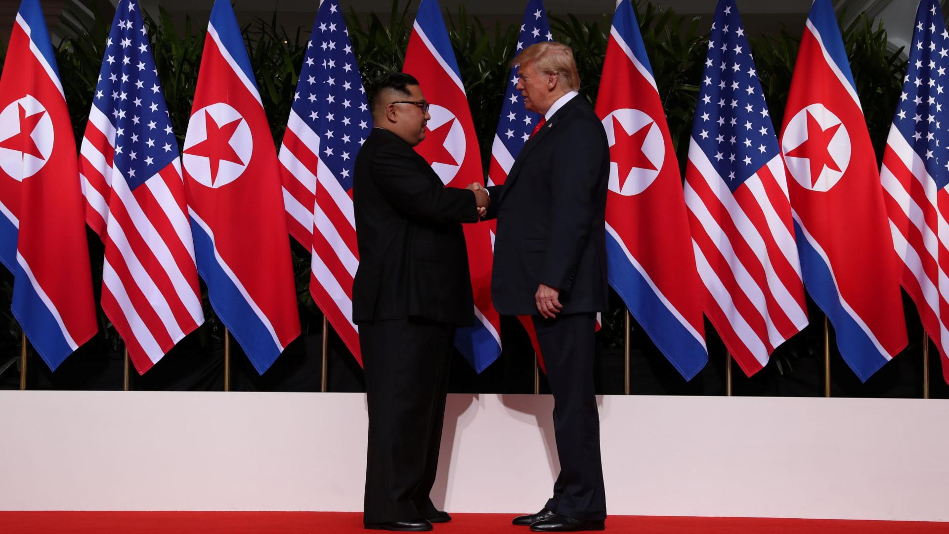 Cimeira histórica começou com aperto de mão entre Trump e Kim