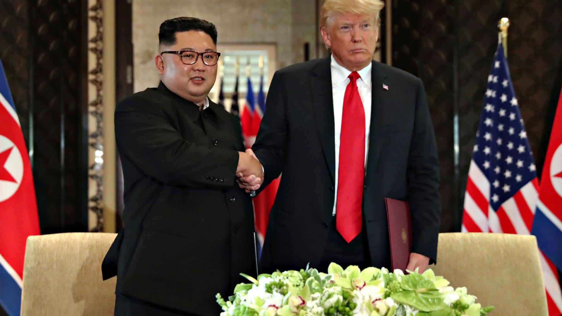 """Kim compromete-se com """"desnuclearização da Coreia"""". EUA garantem proteção"""
