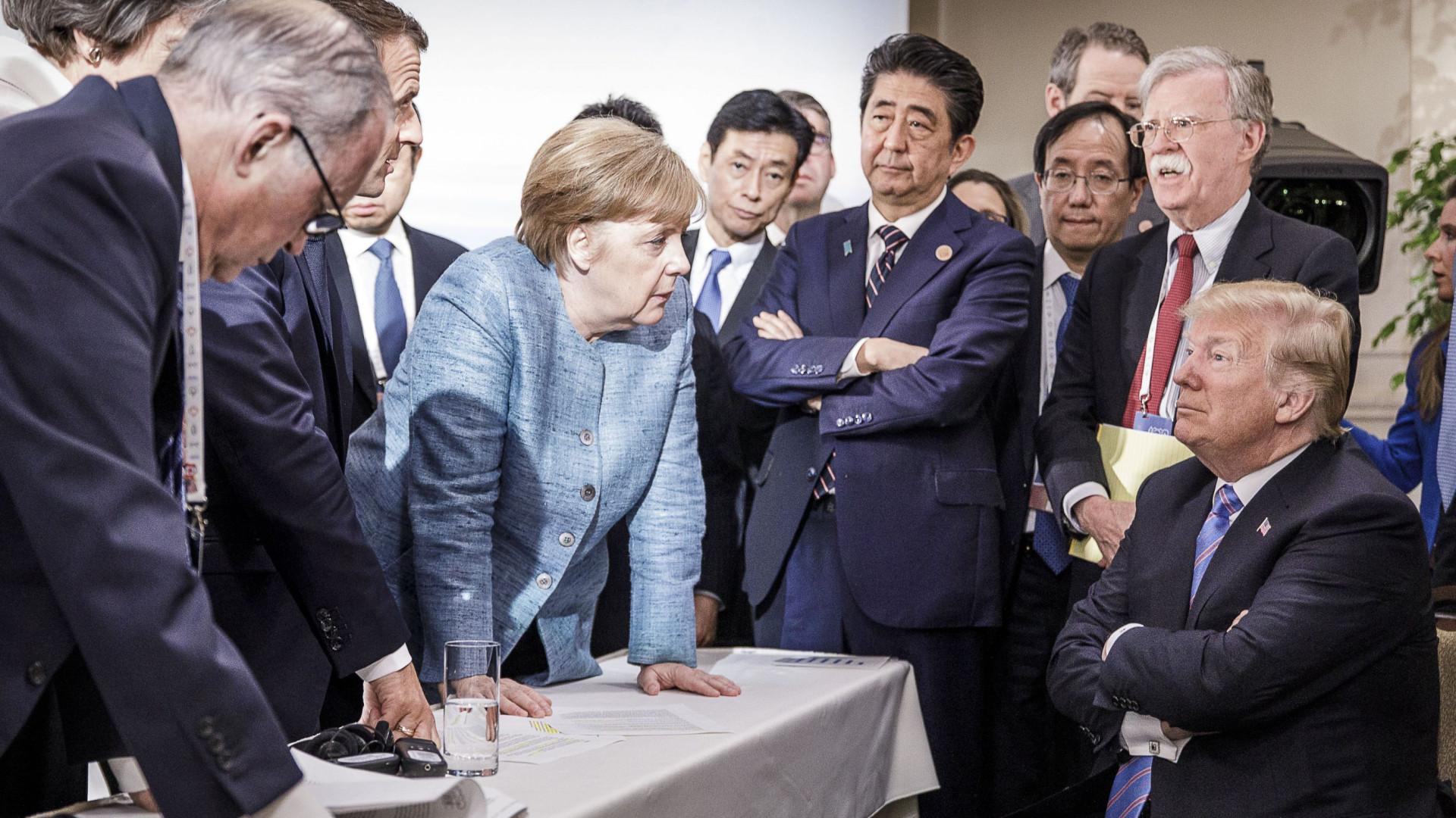 """Foto de Merkel a confrontar Trump não é """"o que parece"""". É ele quem o diz"""