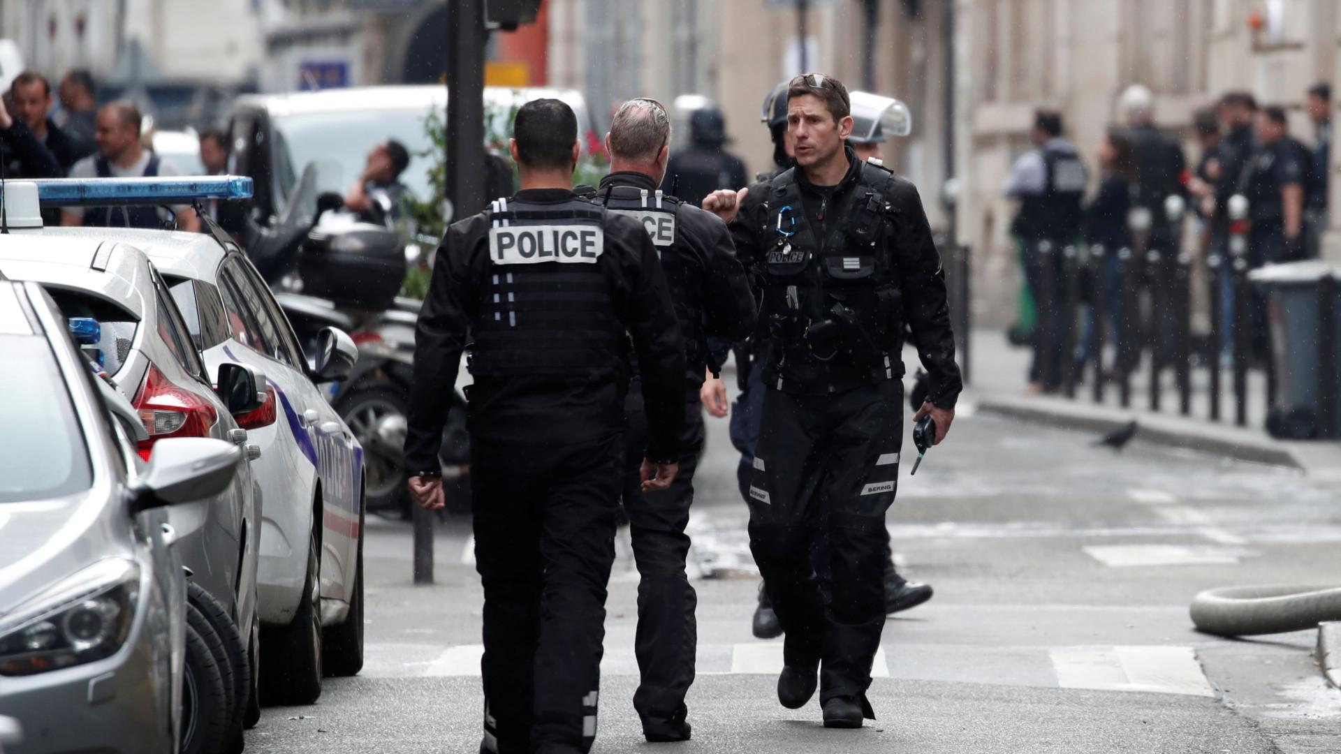 Paris: Sequestro em agência publicitária. Uma pessoa conseguiu fugir