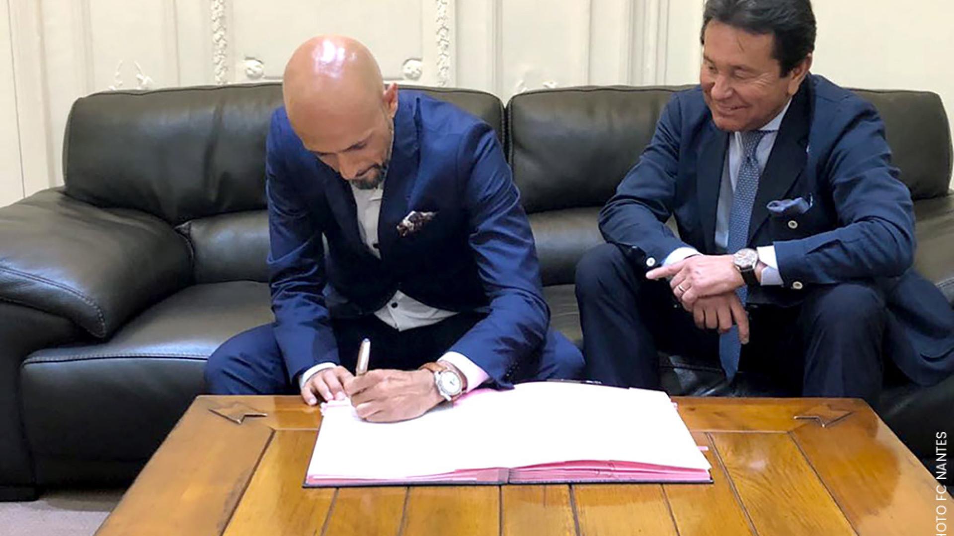 Nantes também já oficializou Miguel Cardoso
