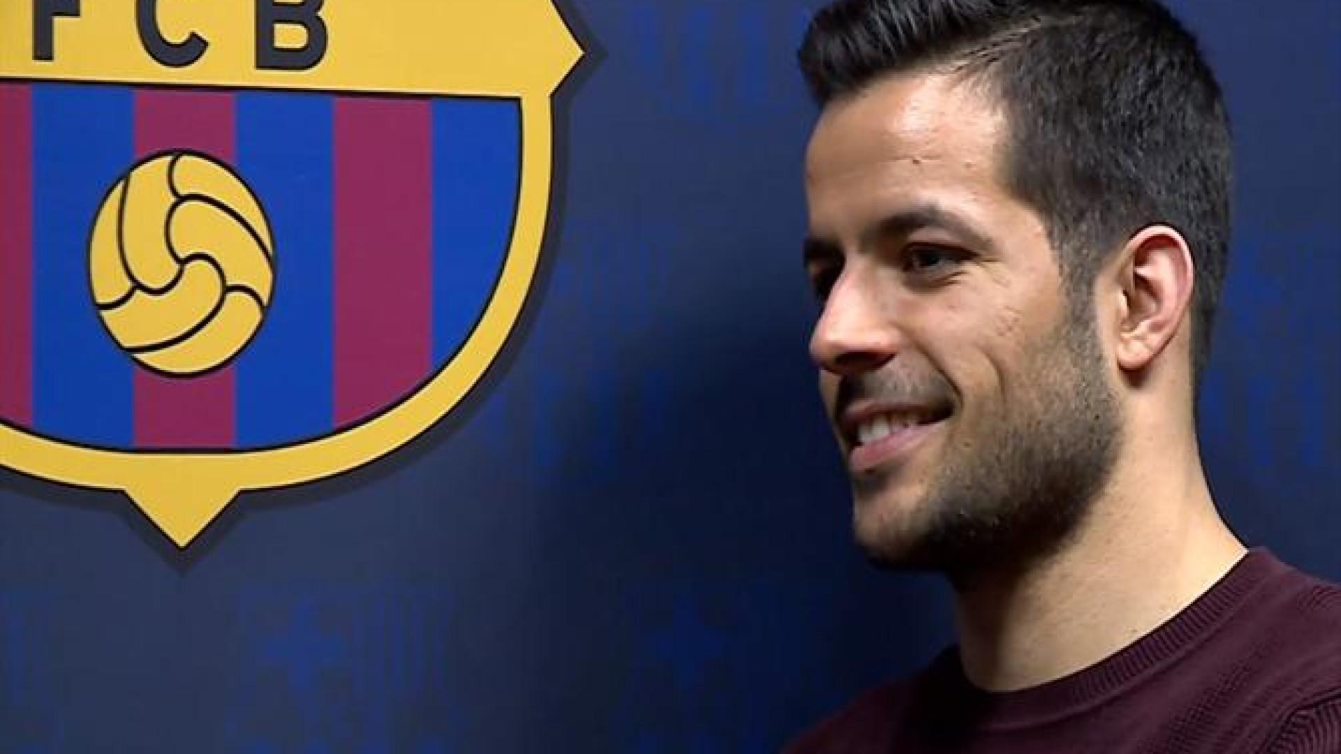 Barcelona oficializa a contratação de João Rodrigues