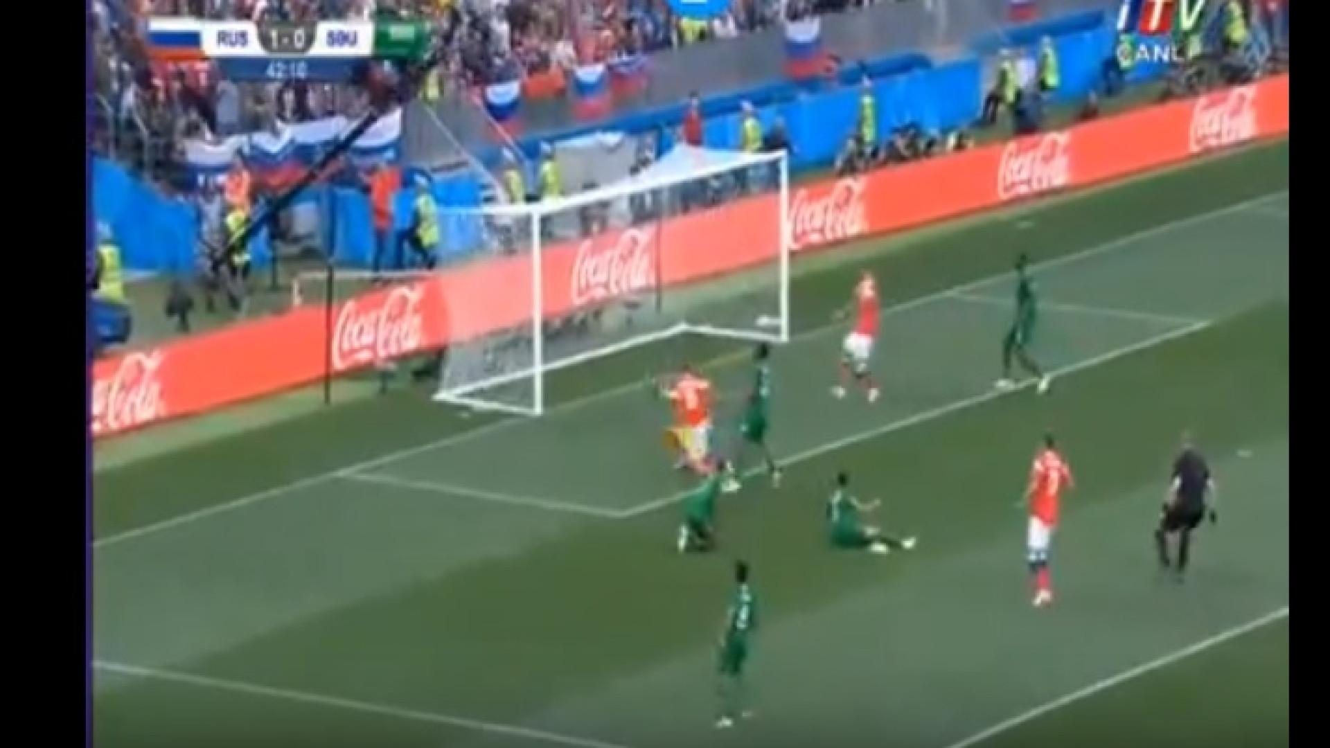 Depois de tirar três do caminho, Cheryshev atirou para o 2-0