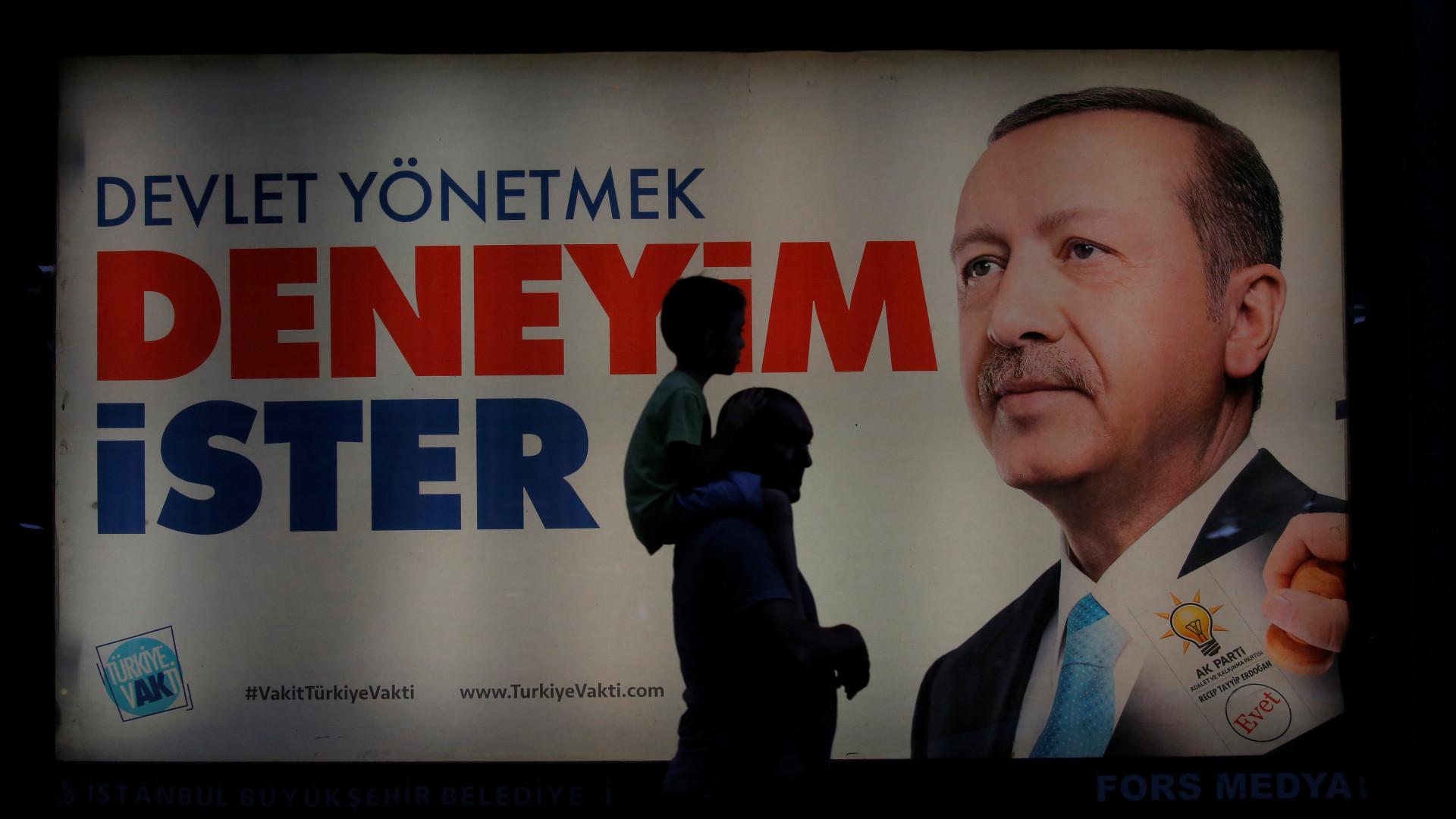 Três mortos em tiroteio durante campanha eleitoral na Turquia