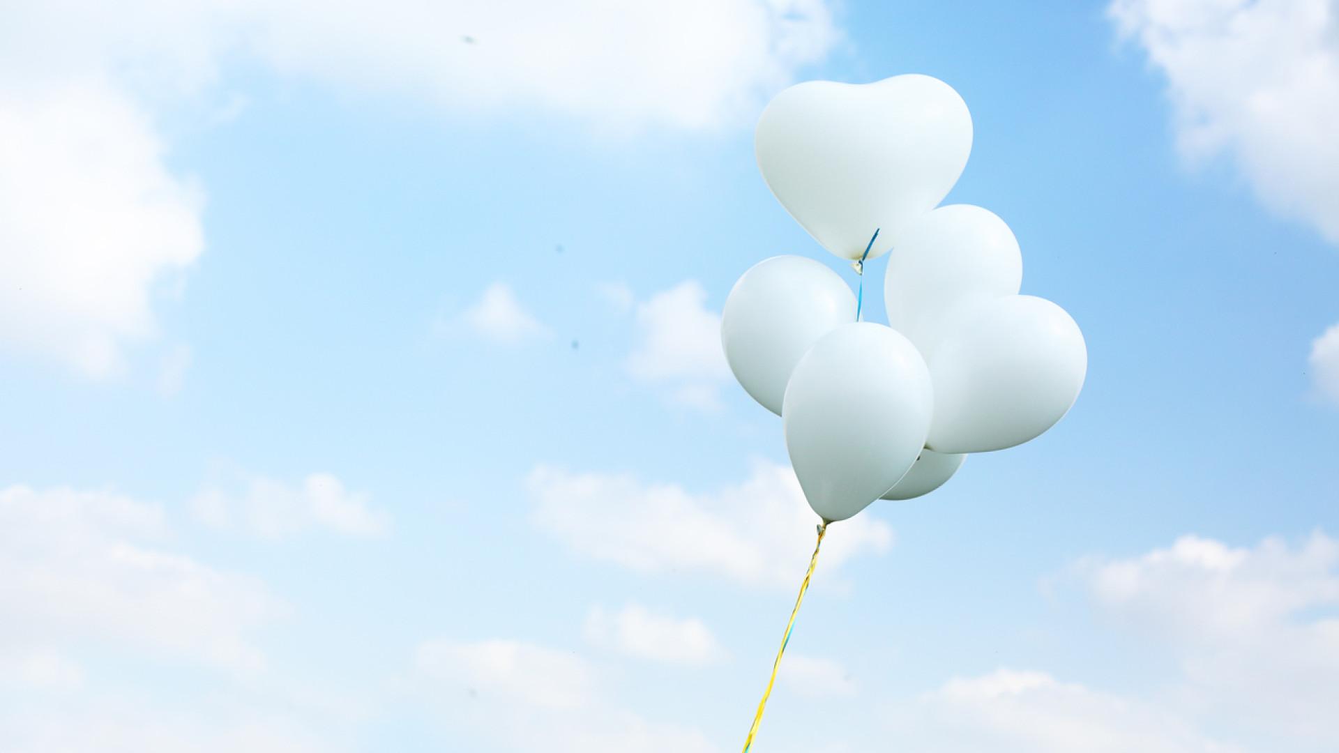 Homenagem às vítimas de Pedrógão inclui lançamento de 66 balões brancos