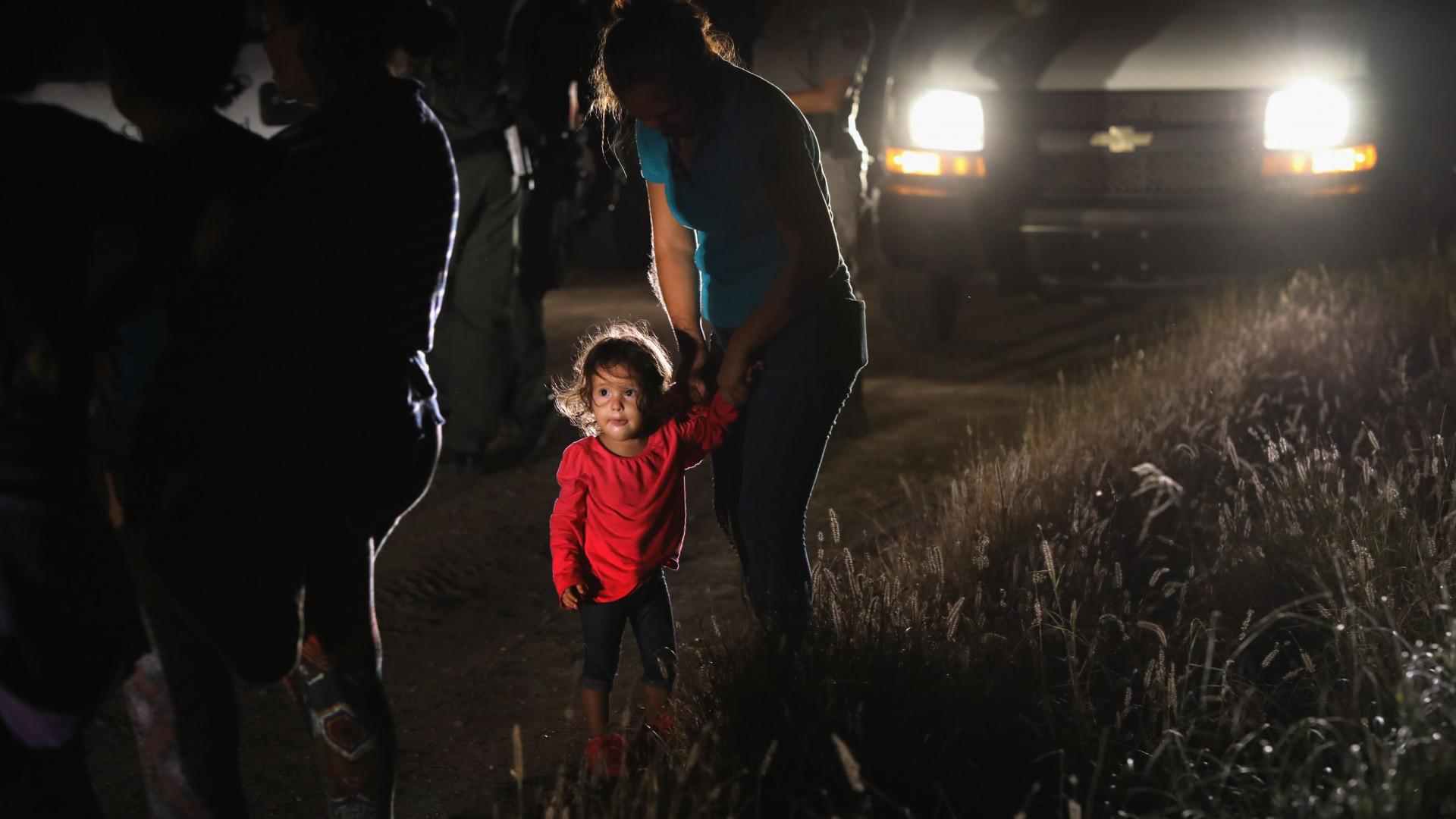 Crianças que entraram sem adultos nos EUA vão para bases militares