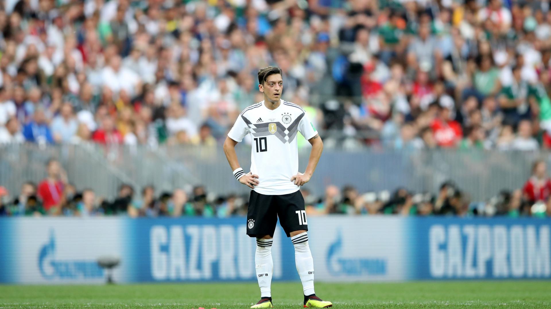Confirmado: Özil renuncia à seleção alemã
