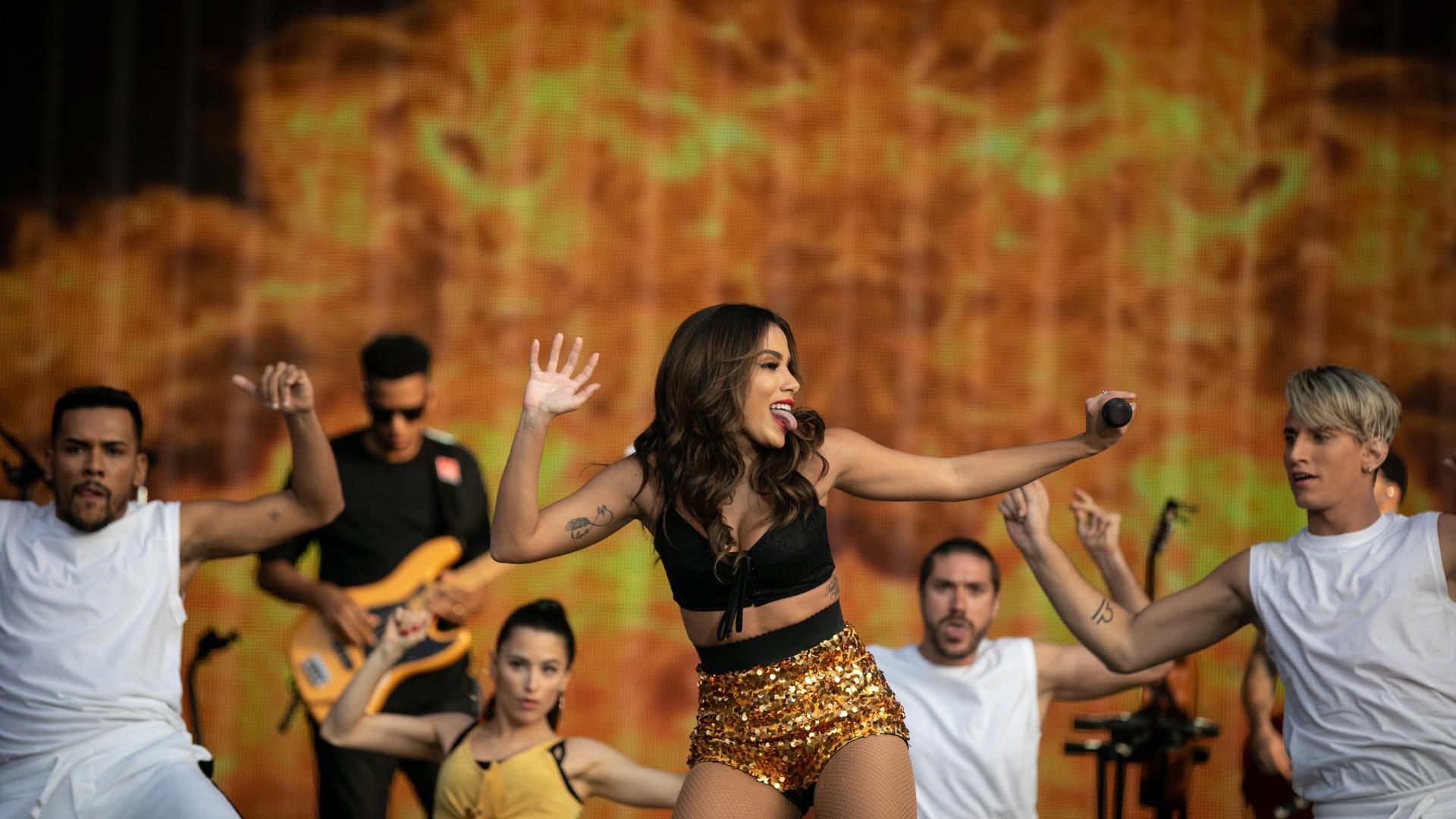Anitta testou a resistência dos festivaleiros com o 'Show das Poderosas'