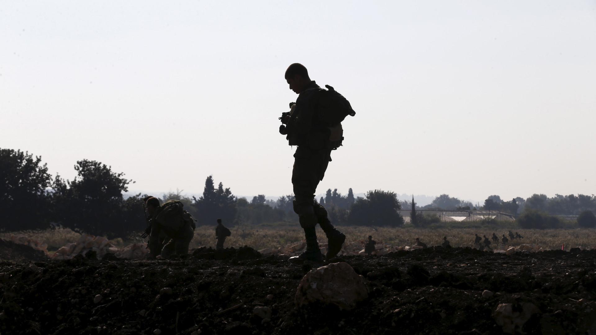 Israel ataca depósitos de armas do Hezbollah perto de aeroporto sírio