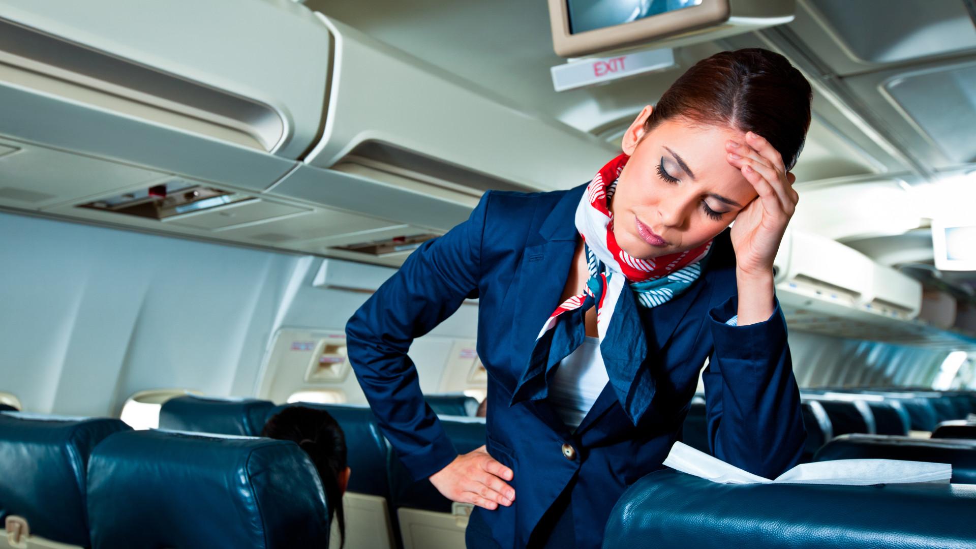Um em cada seis assistentes de bordo reconhece ter medo de andar de avião