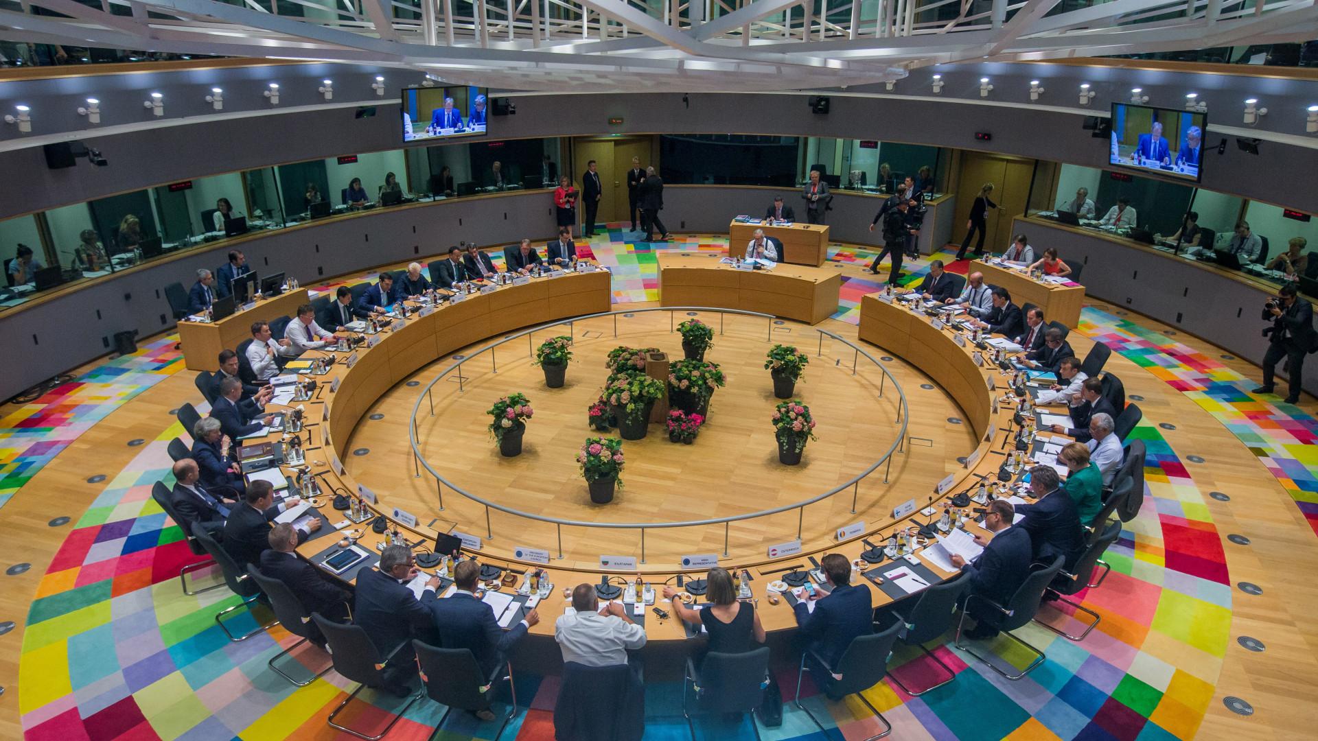 Migrações. Após uma longa noite, líderes europeus chegaram a acordo