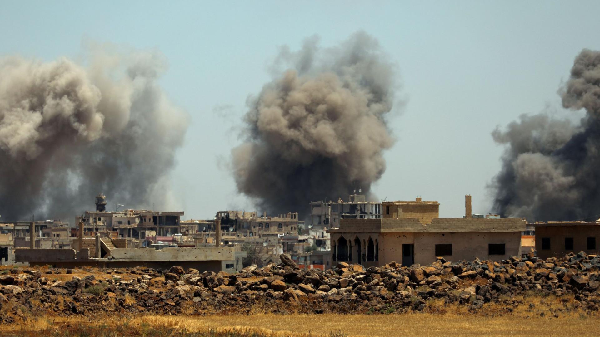 Mais de 20 mortos em ataques aéreos no norte da Síria