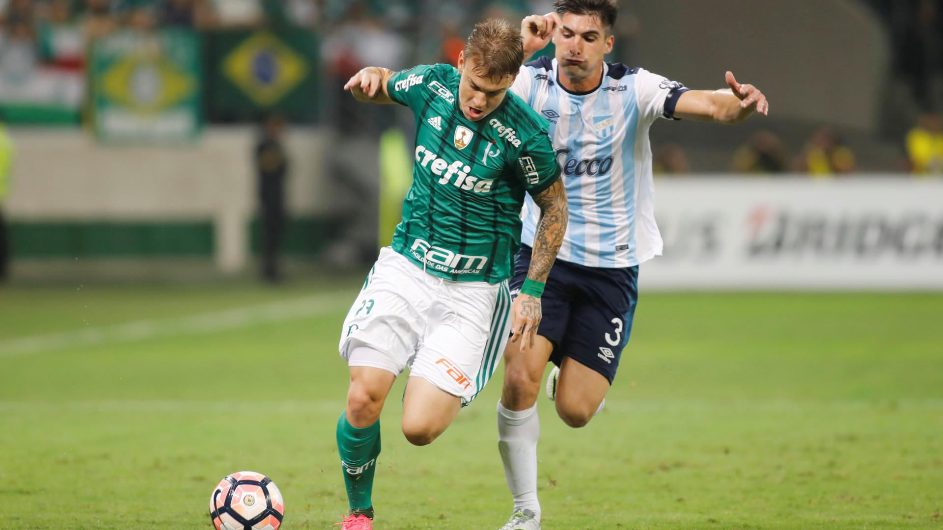 Desejado pelo FC Porto, Róger Guedes preferiu milhões da China