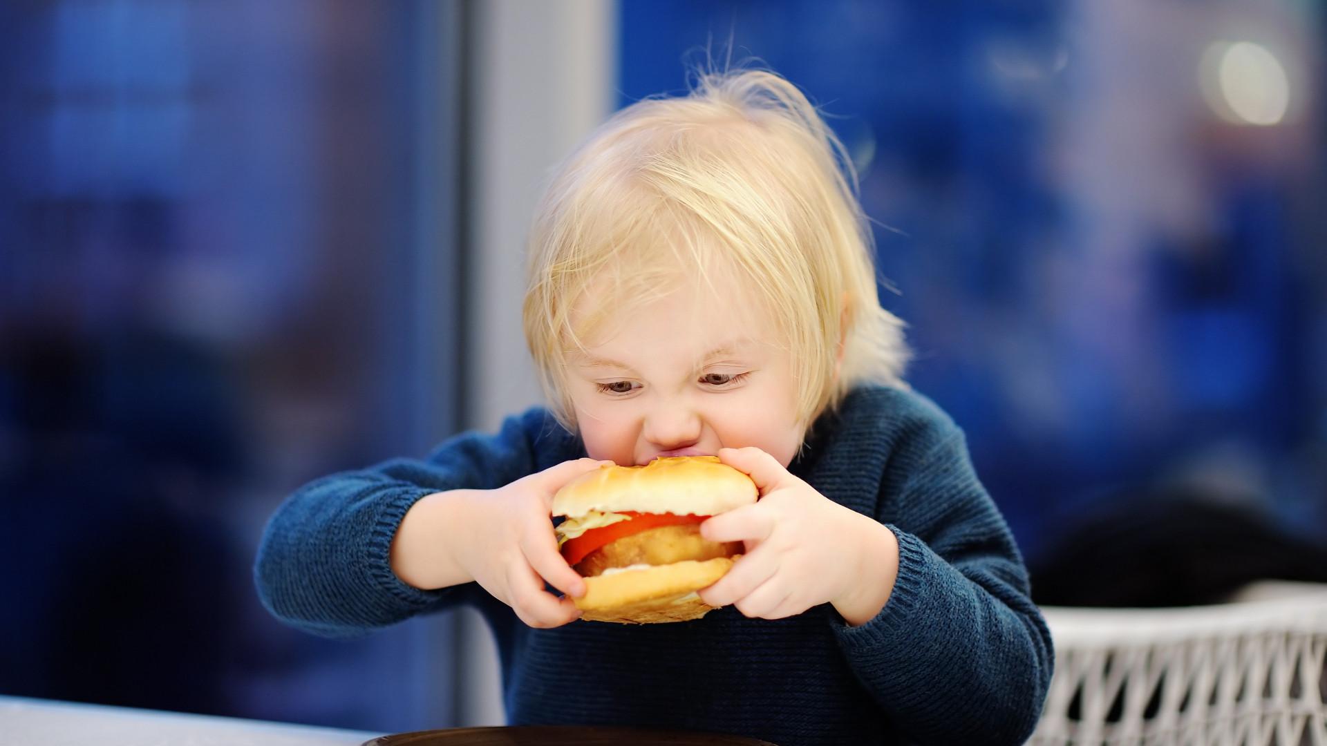 Este é o primeiro passo para evitar a obesidade infantil