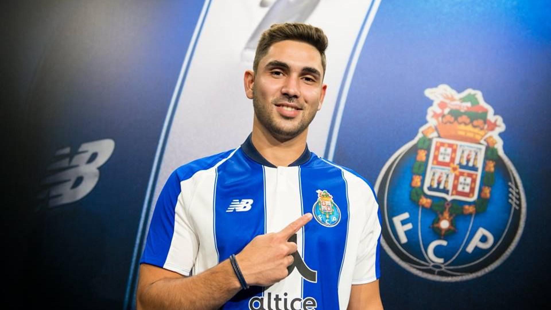 FC Porto oficializa a contratação de Rui Costa