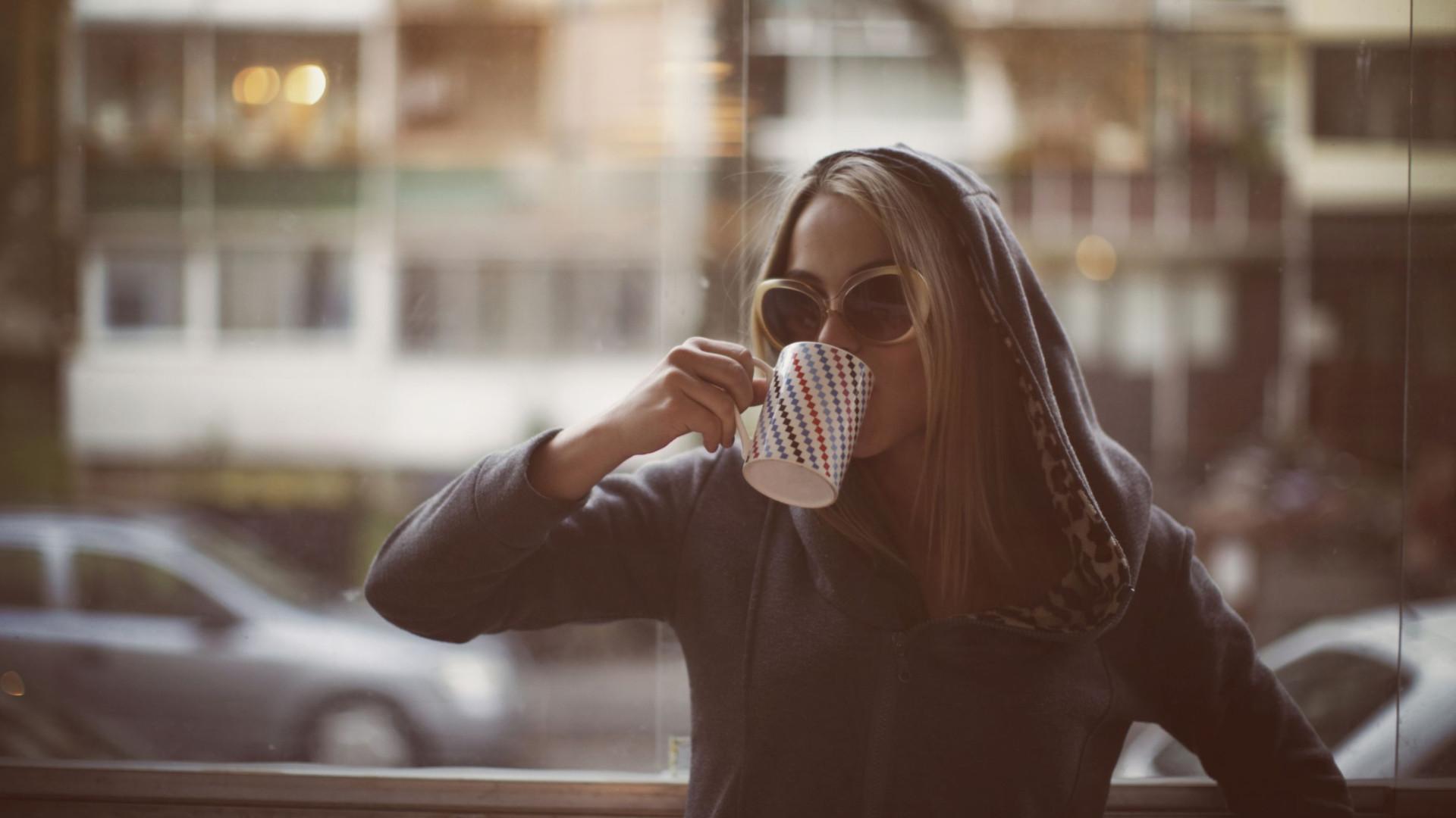 Mito ou facto: Será que beber café o deixa sóbrio e cura a ressaca?