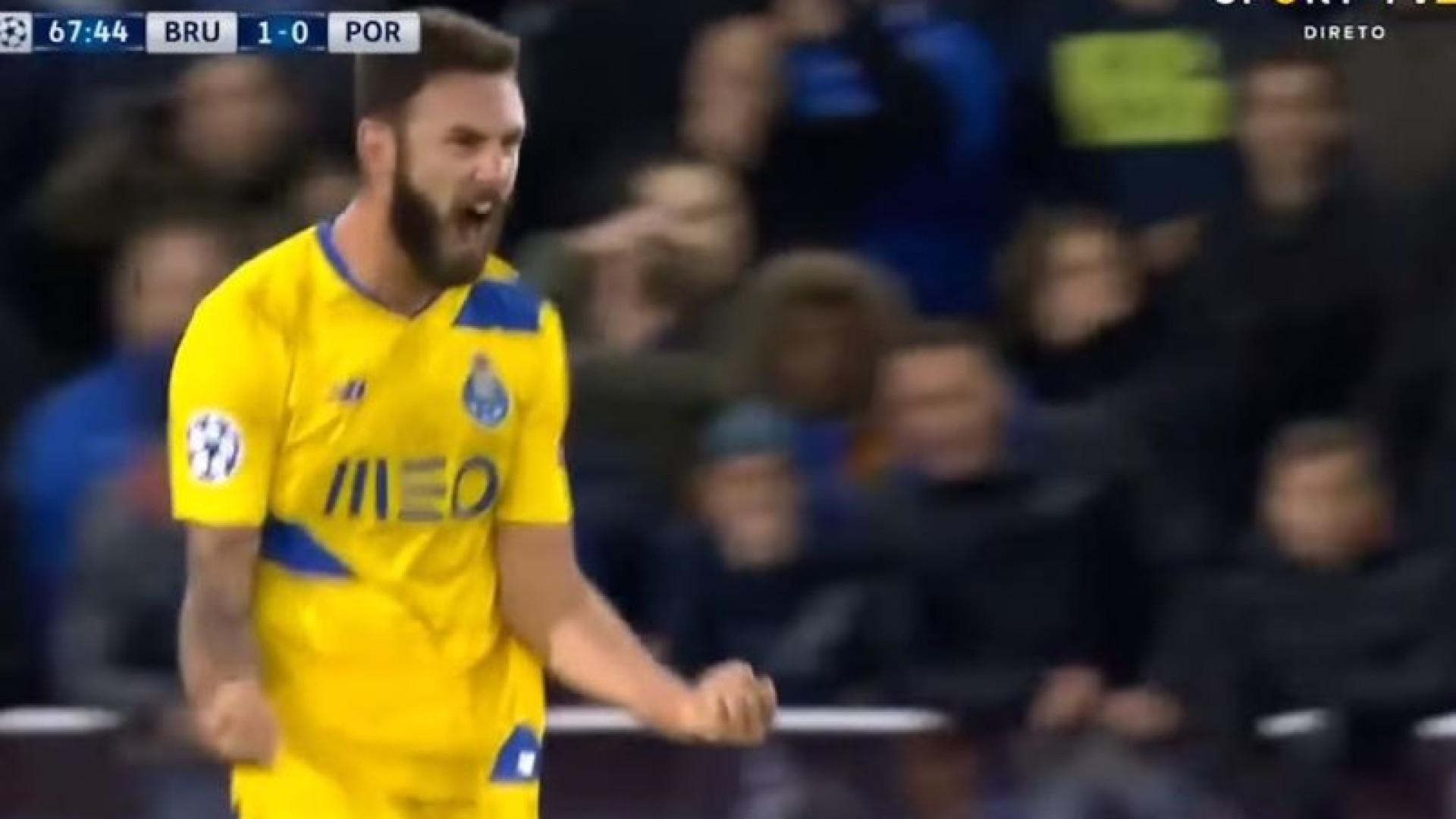 """FC Porto despede-se de Layún e deseja """"muitas felicidades"""""""
