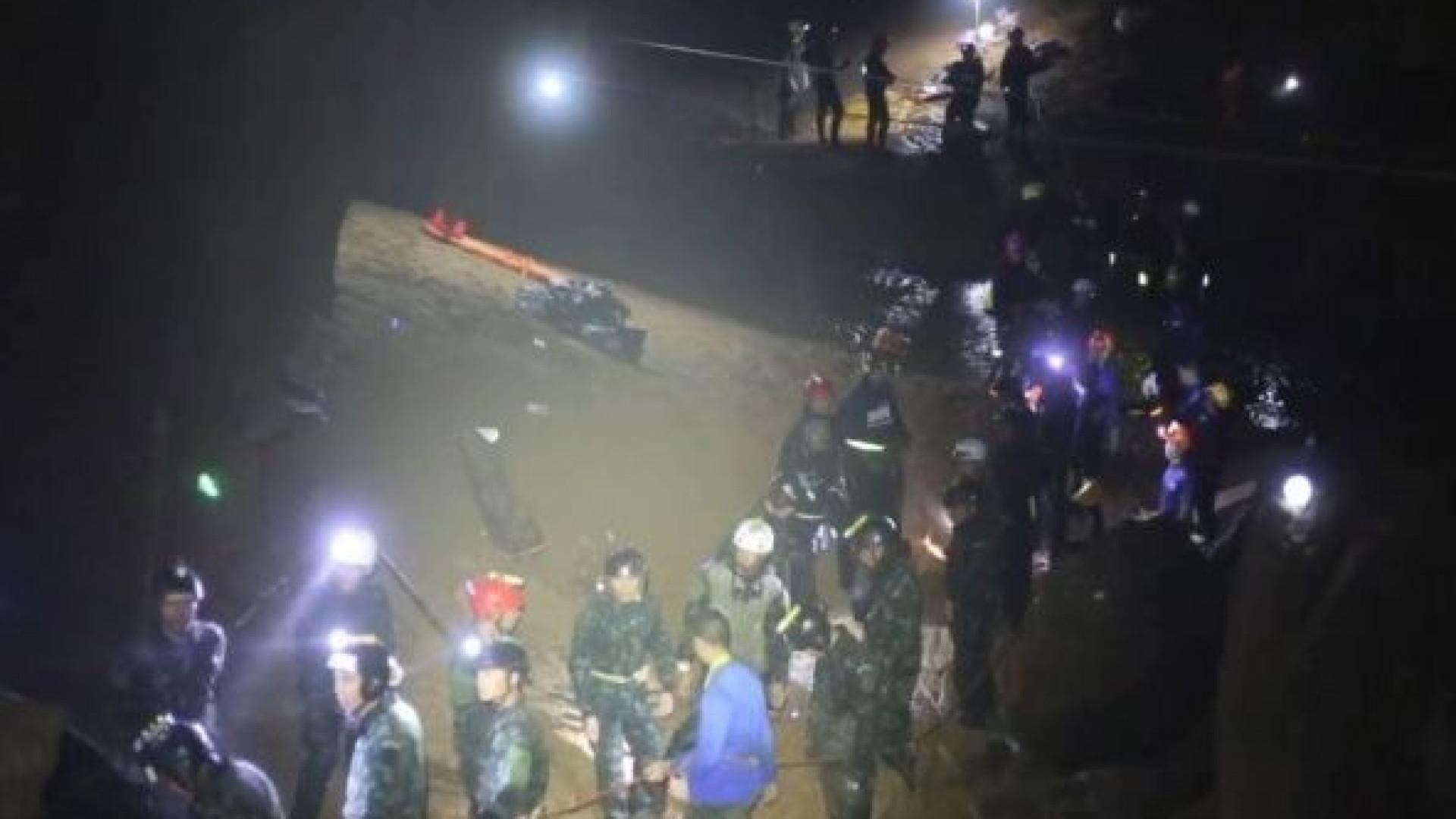 Revelado vídeo inédito do resgate dos jovens da gruta na Tailândia