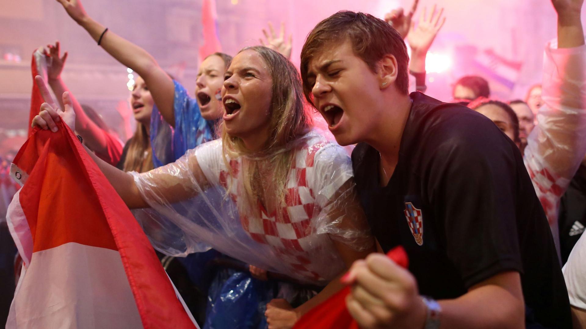 Croácia festeja noite dentro presença na final