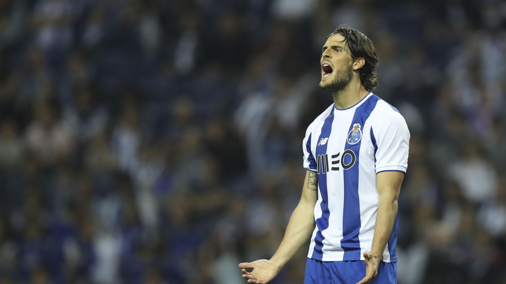 Gonçalo Paciência despede-se dos adeptos do FC Porto com mensagem emotiva