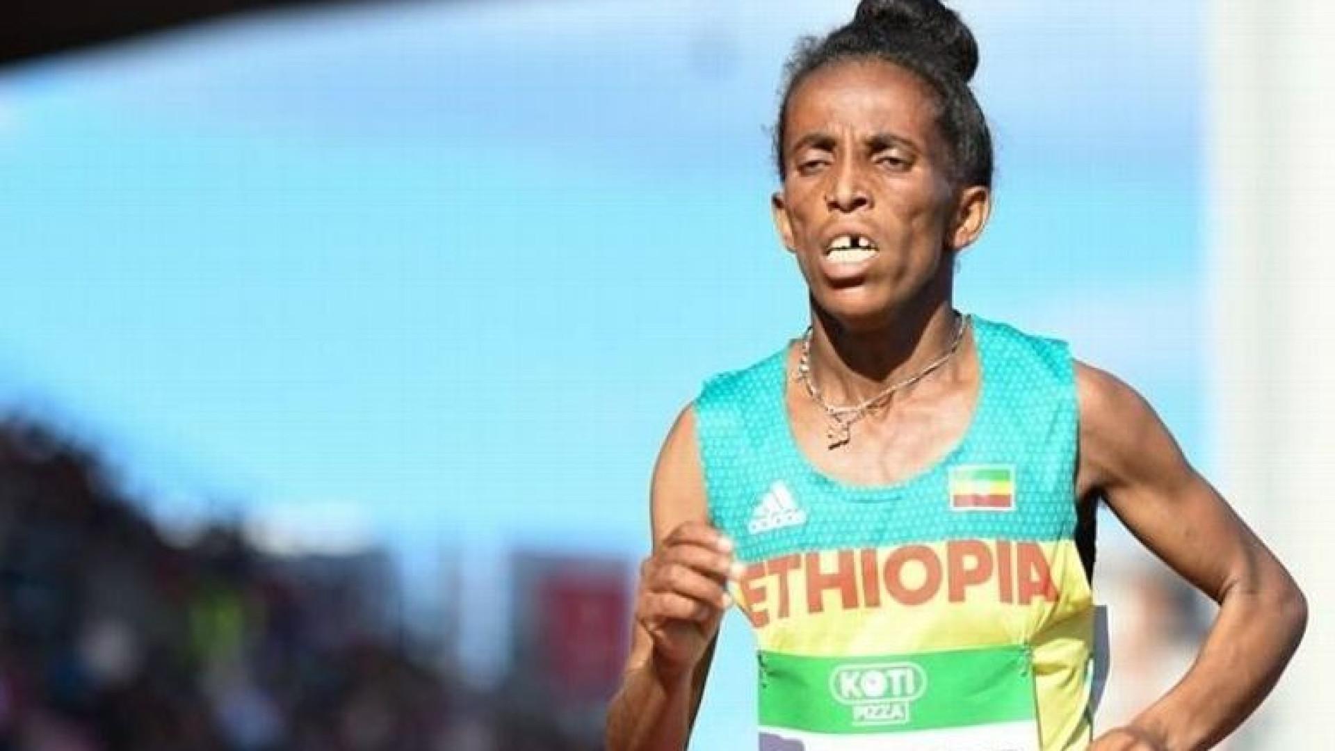 Tem ou não 16 anos? A atleta etíope que está a dar que falar
