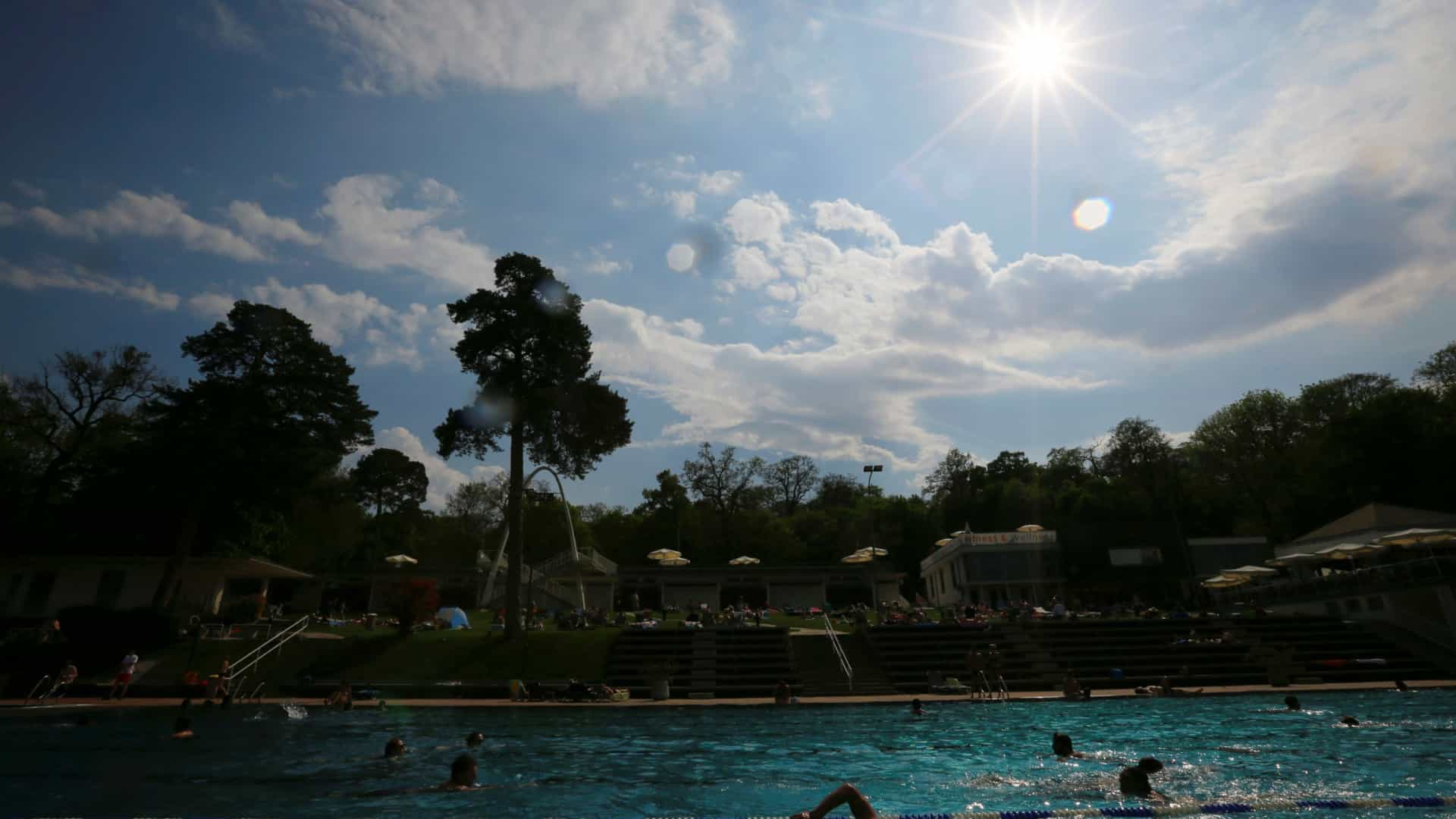 Continente, Madeira e Açores com níveis muito elevados de exposição a UV