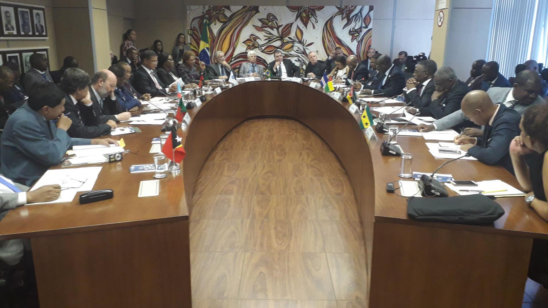 CPLP pode acolher mais nove observadores associados