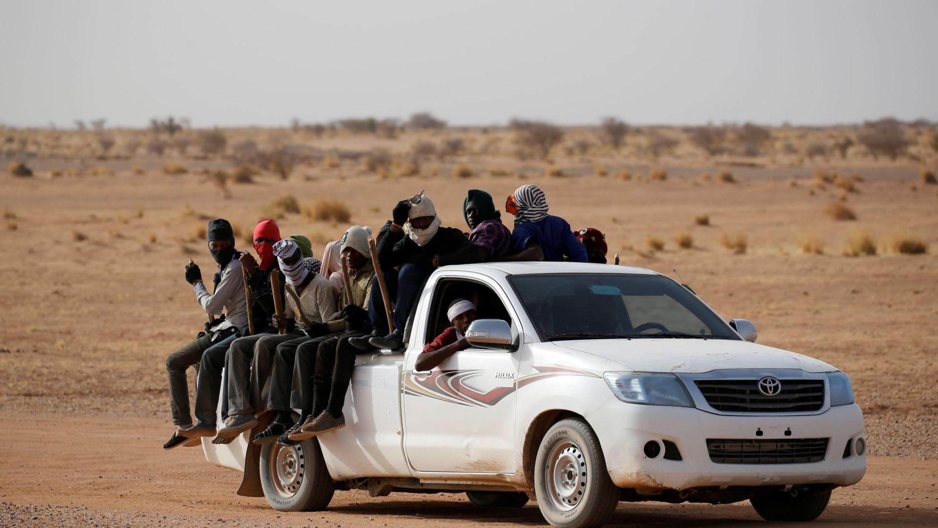 Argélia acaba com expulsões de migrantes face à indignação gerada