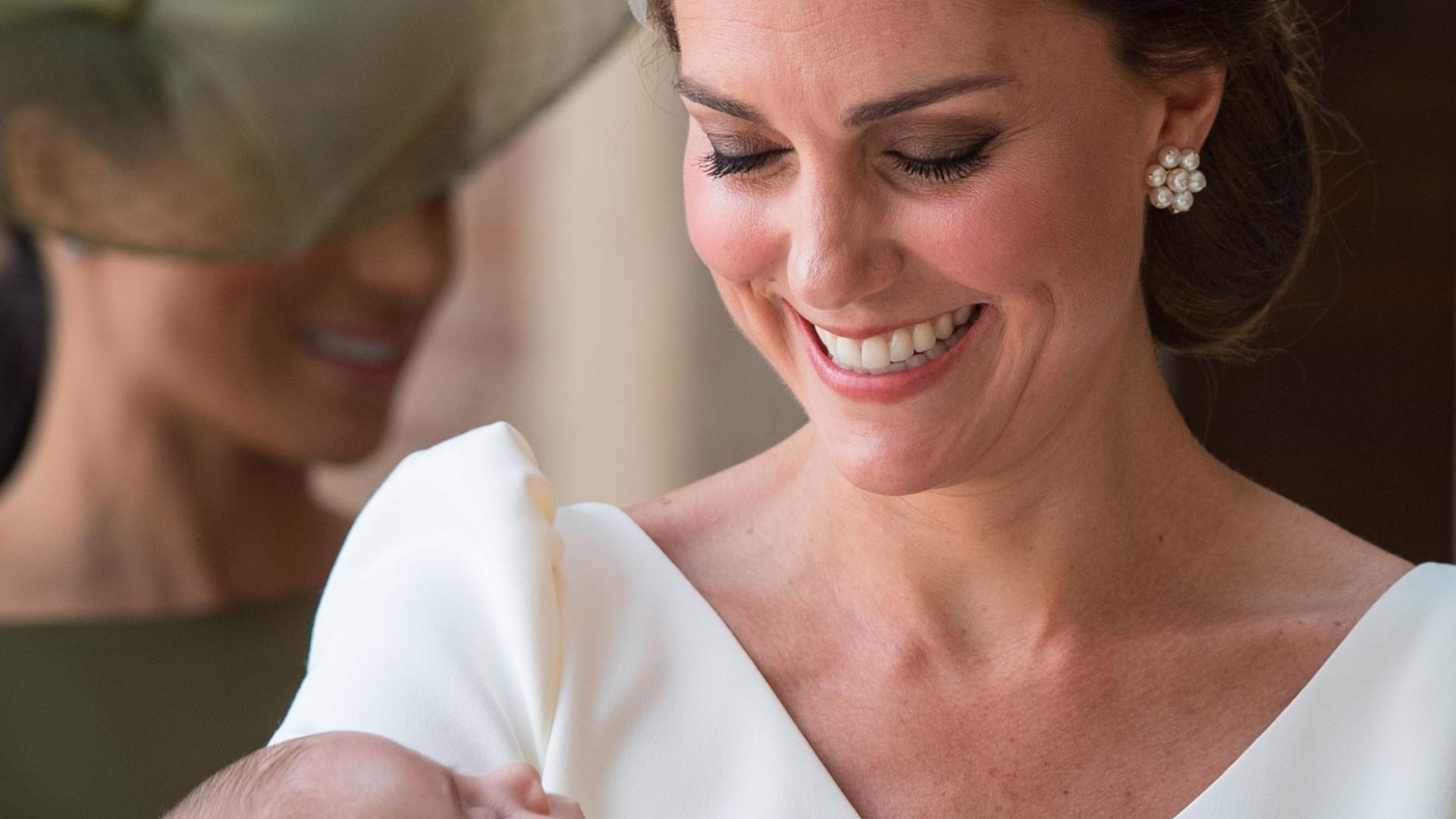 Brincos que Kate Middleton usou em batizado valem uma (pequena) fortuna