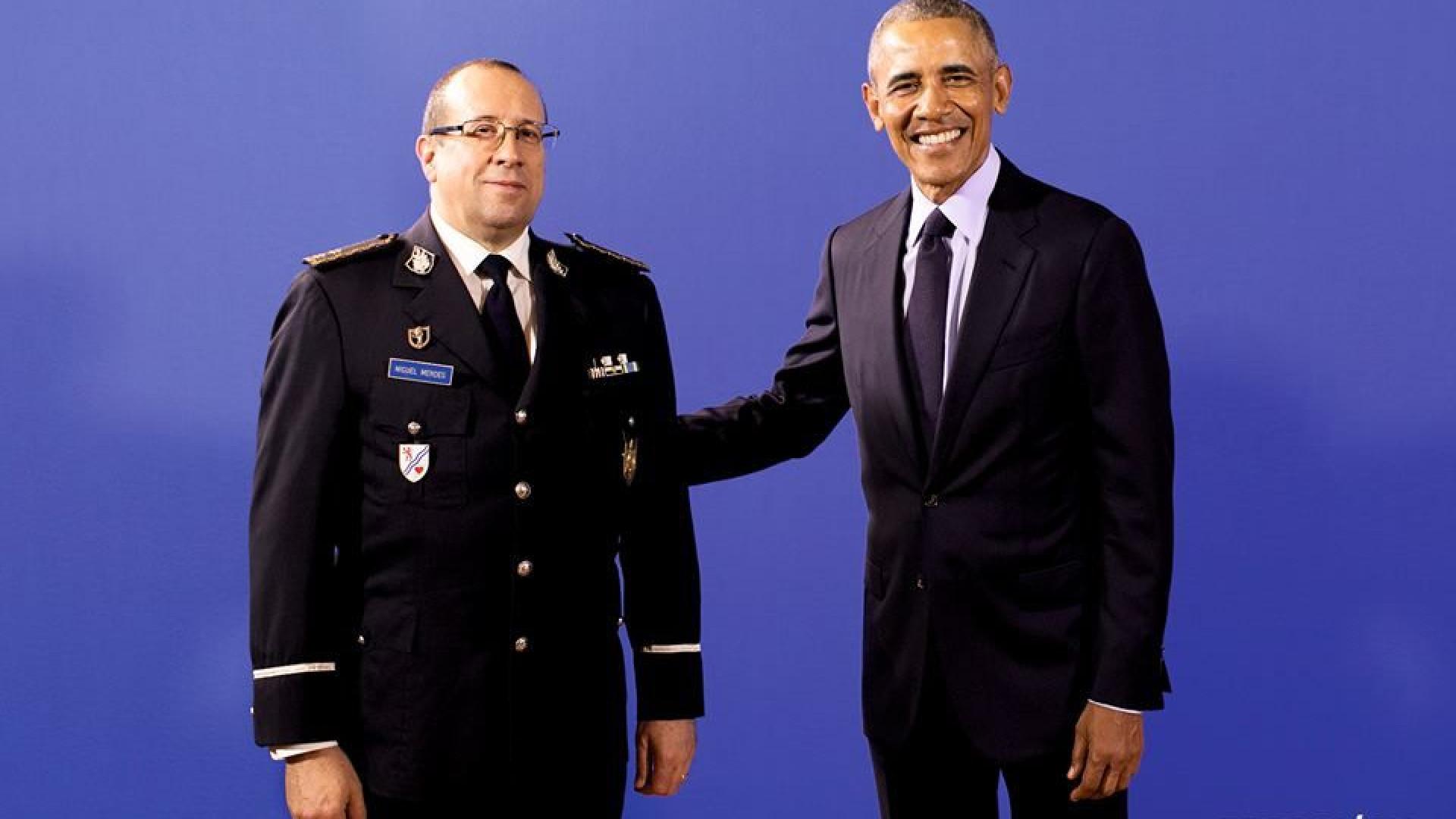 """""""Yes we can"""". Só a PSP pode posar com Obama no Porto"""
