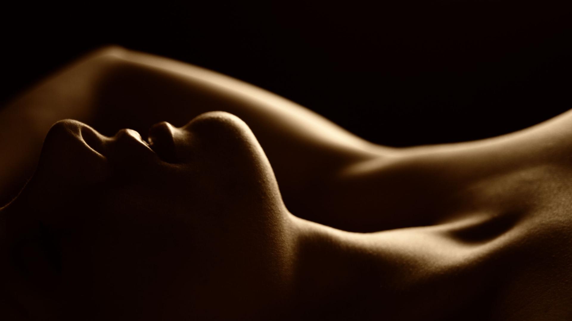 É verdade que a excitação sexual aumenta com a chegada do tempo quente?
