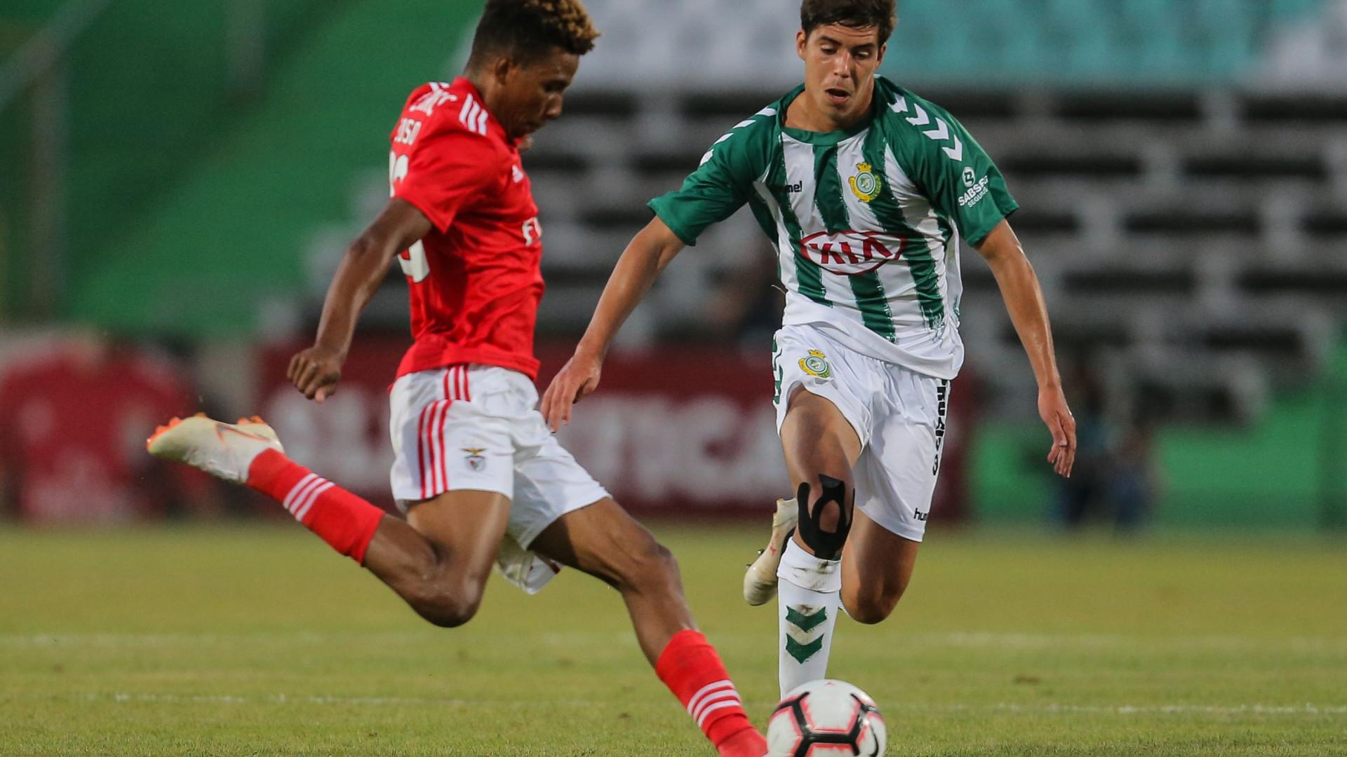 Benfica empata com V. Setúbal na estreia de Ferreyra a marcar