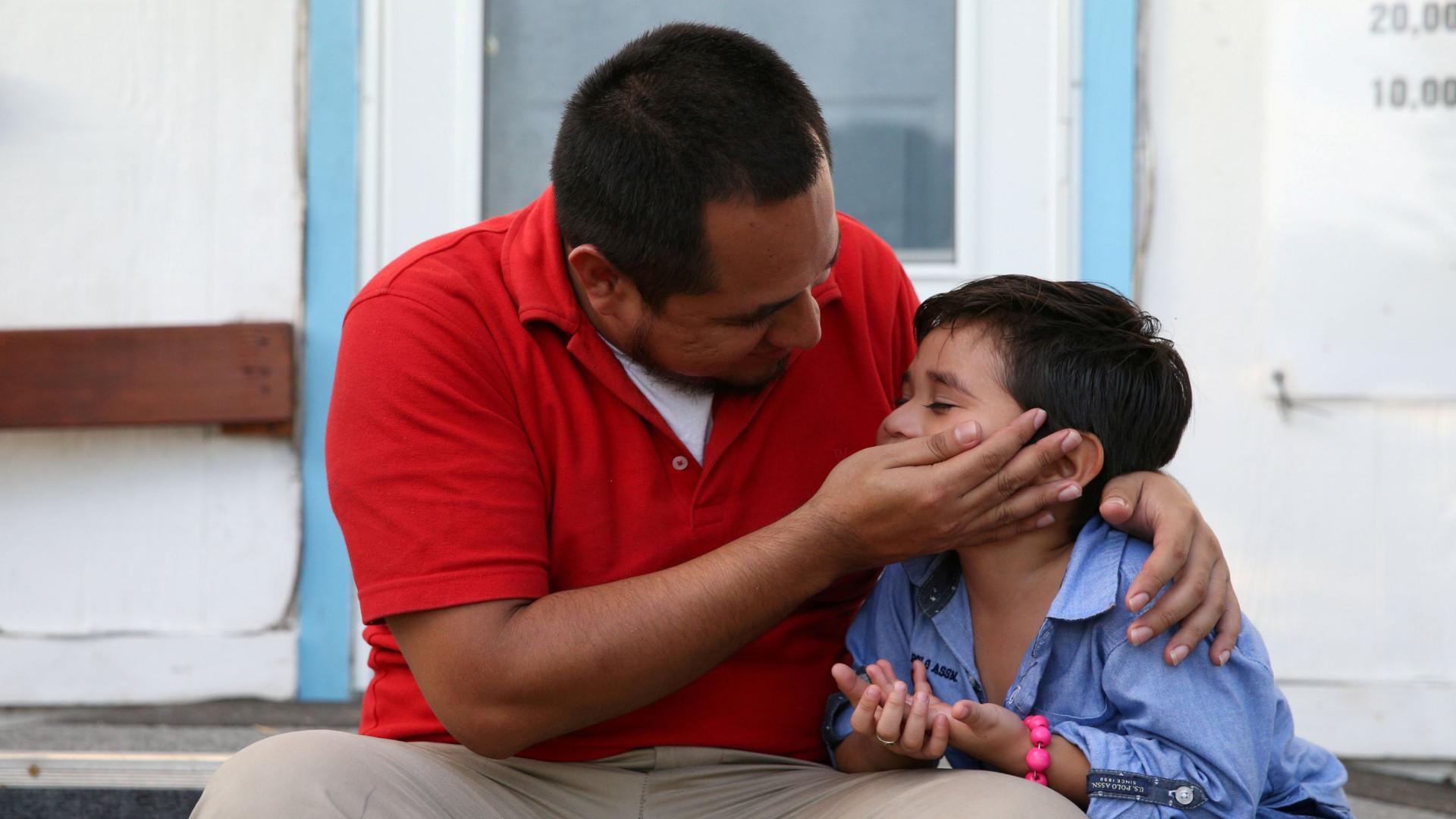 Juiz nos EUA ordena entrega de lista de pais separados das crianças