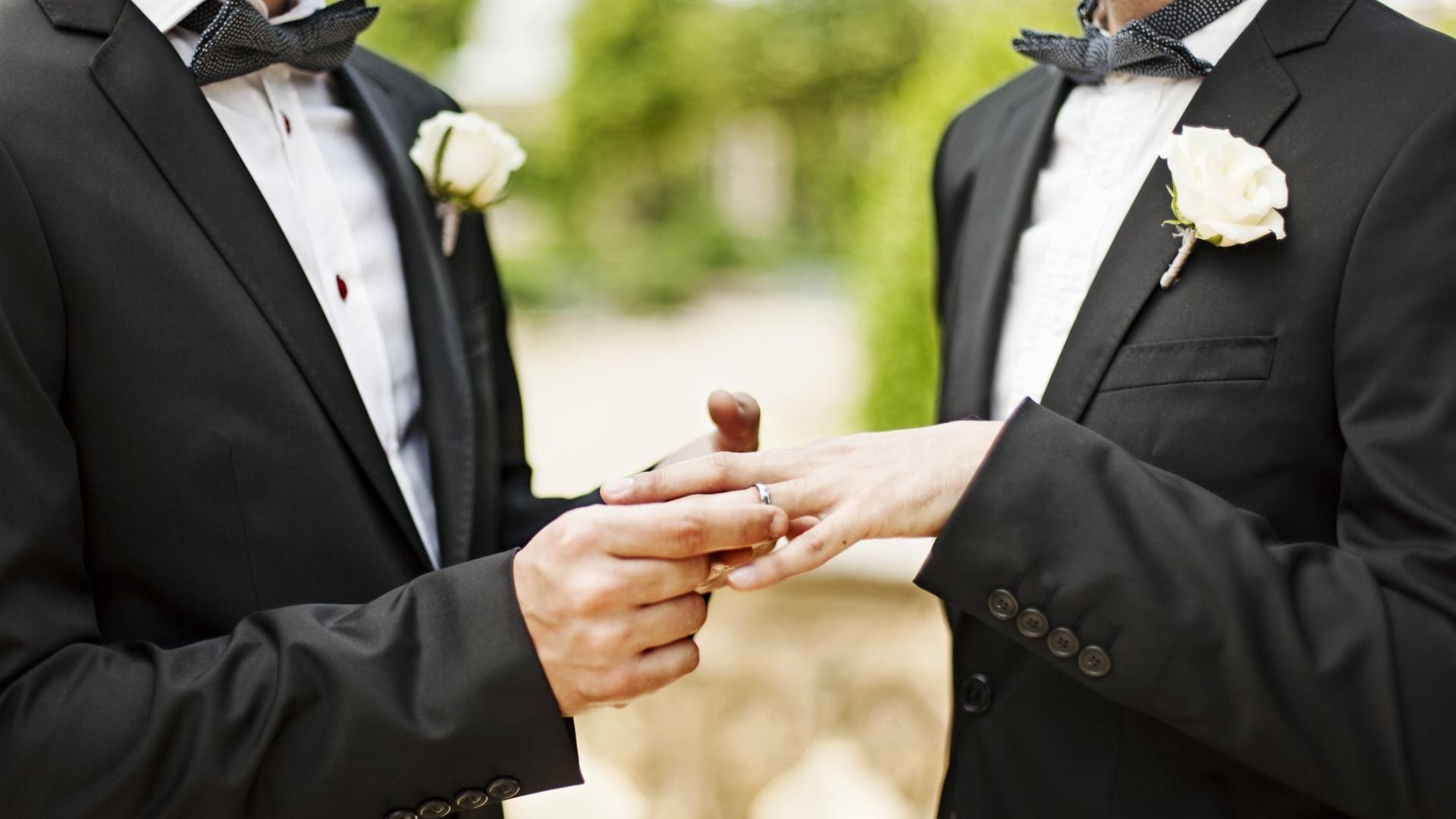Giuliano, o padre que deixou o sacerdócio para casar com o namorado
