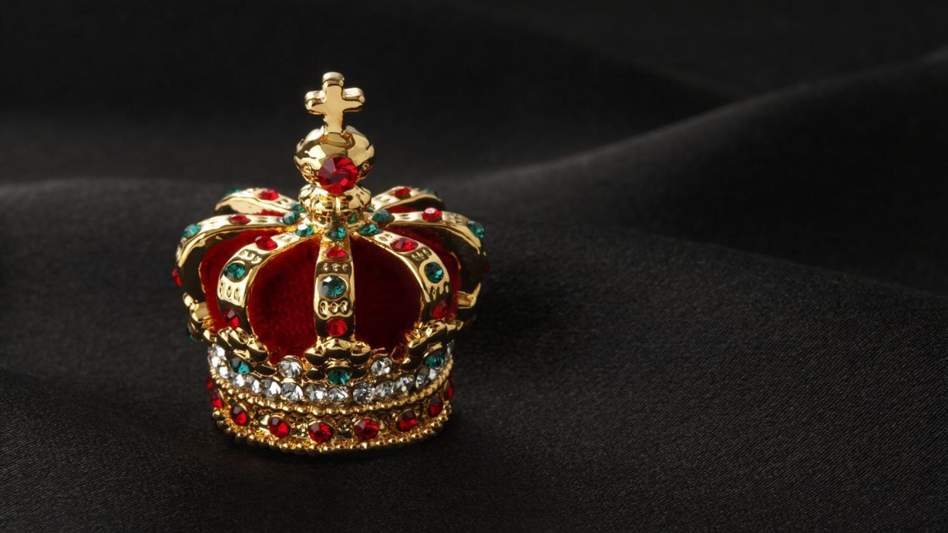 Há novo volume de 'Casamentos da Família Real Portuguesa' esta semana