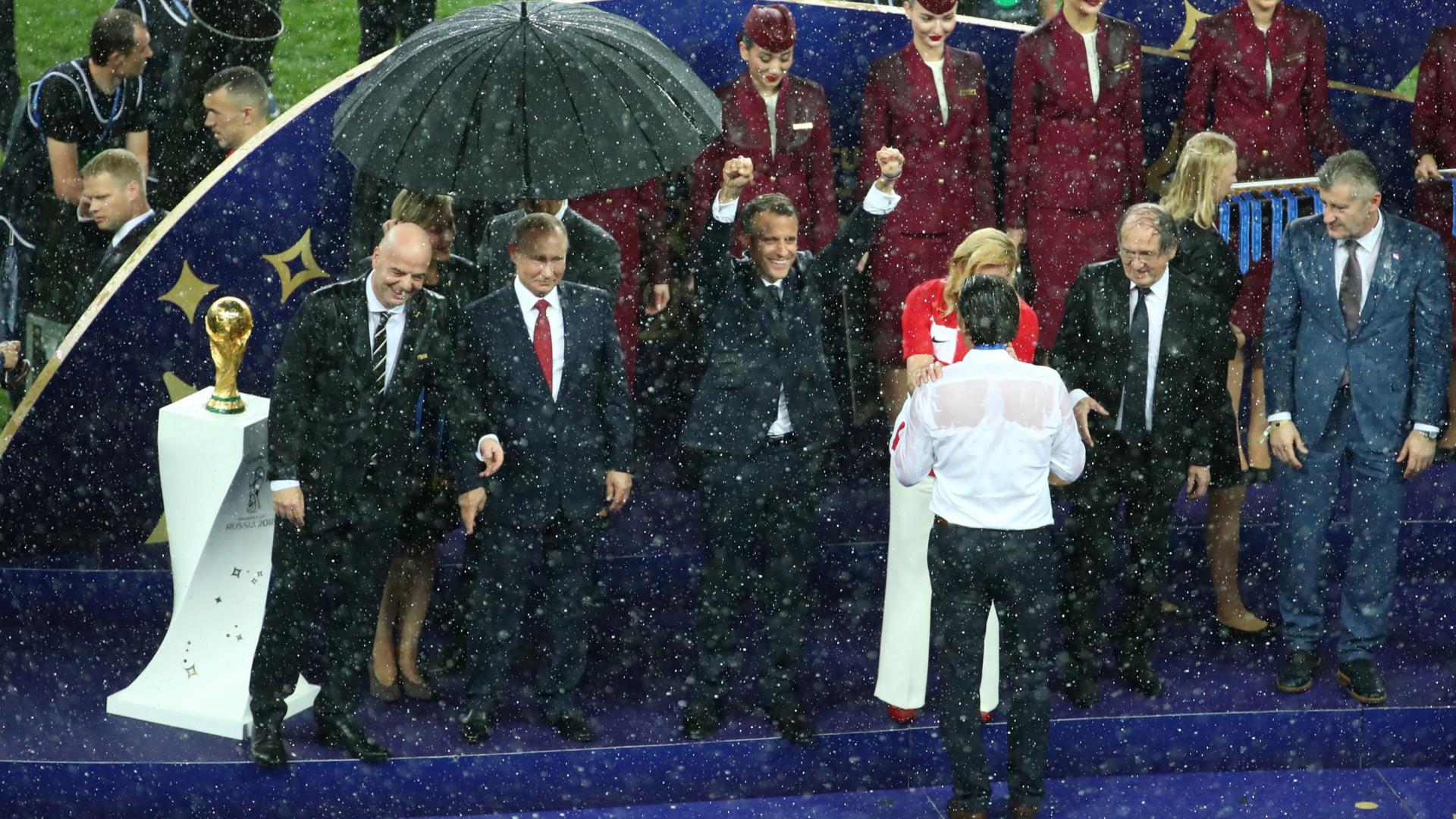 No chapéu de chuva de Putin não cabia Macron nem Kolinda
