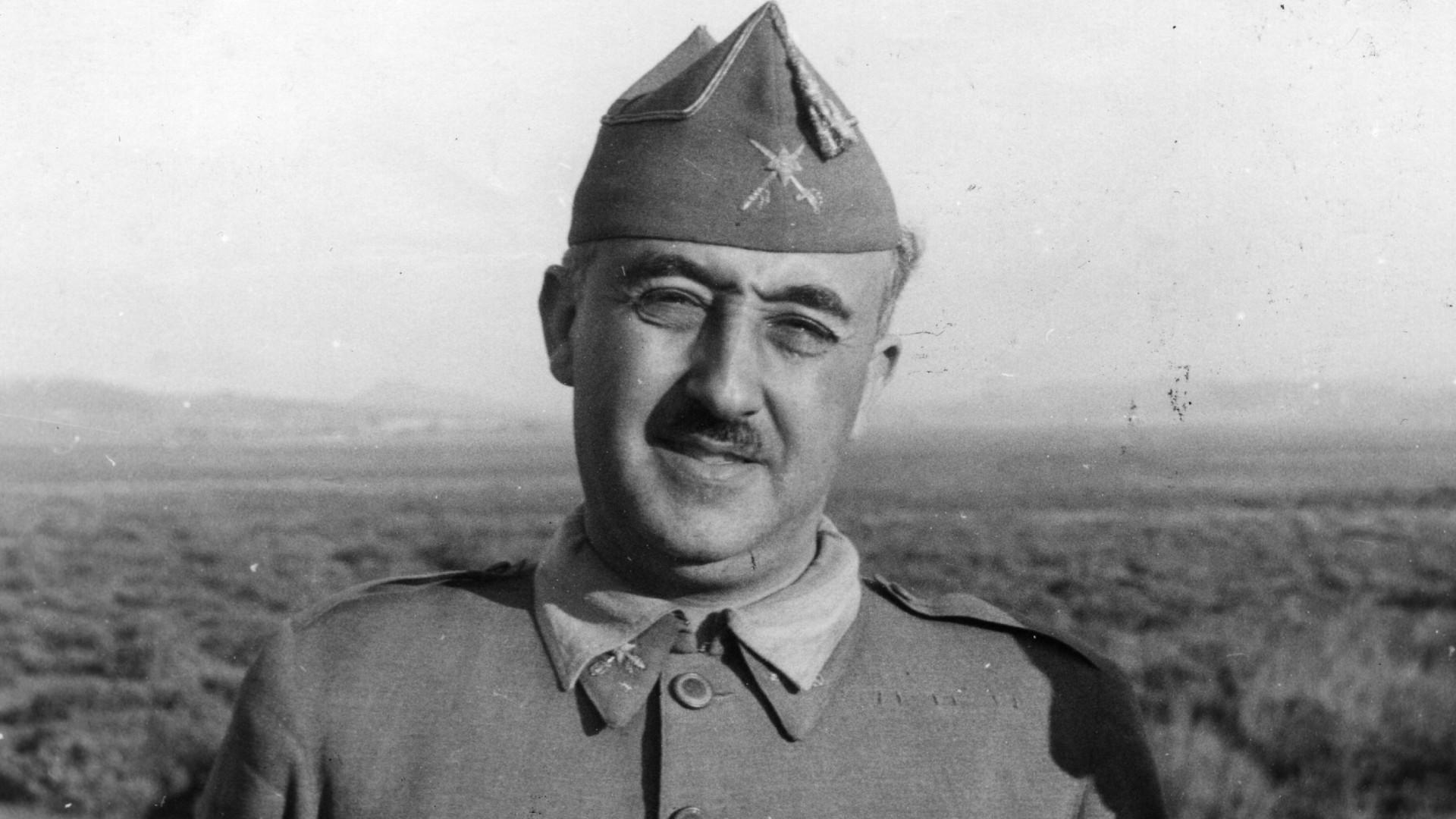 Espanha procura figura jurídica para retirar Franco do Vale dos Caídos