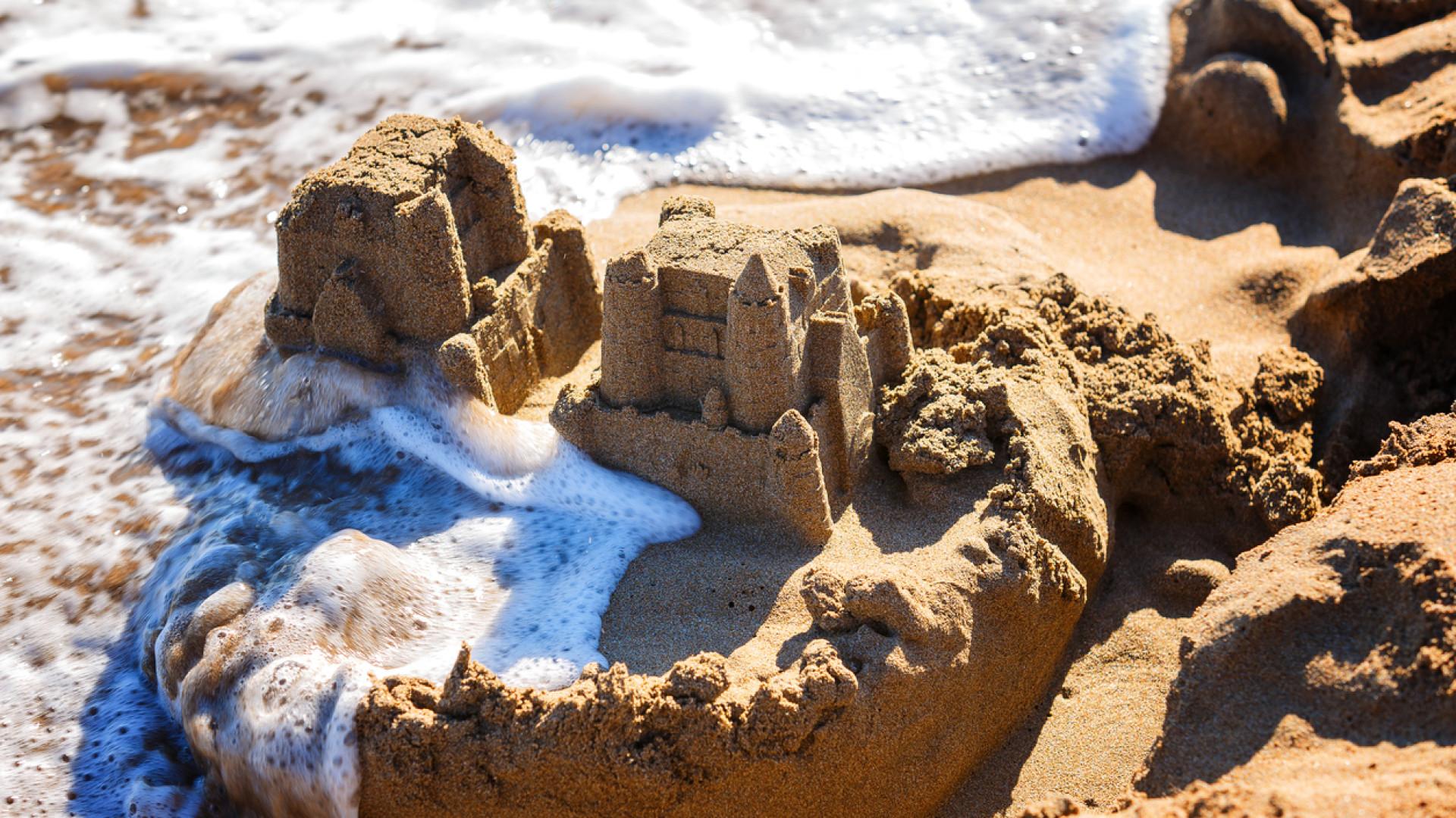 Miguel esvaziou o oceano para poder fazer castelos na areia. E agora?