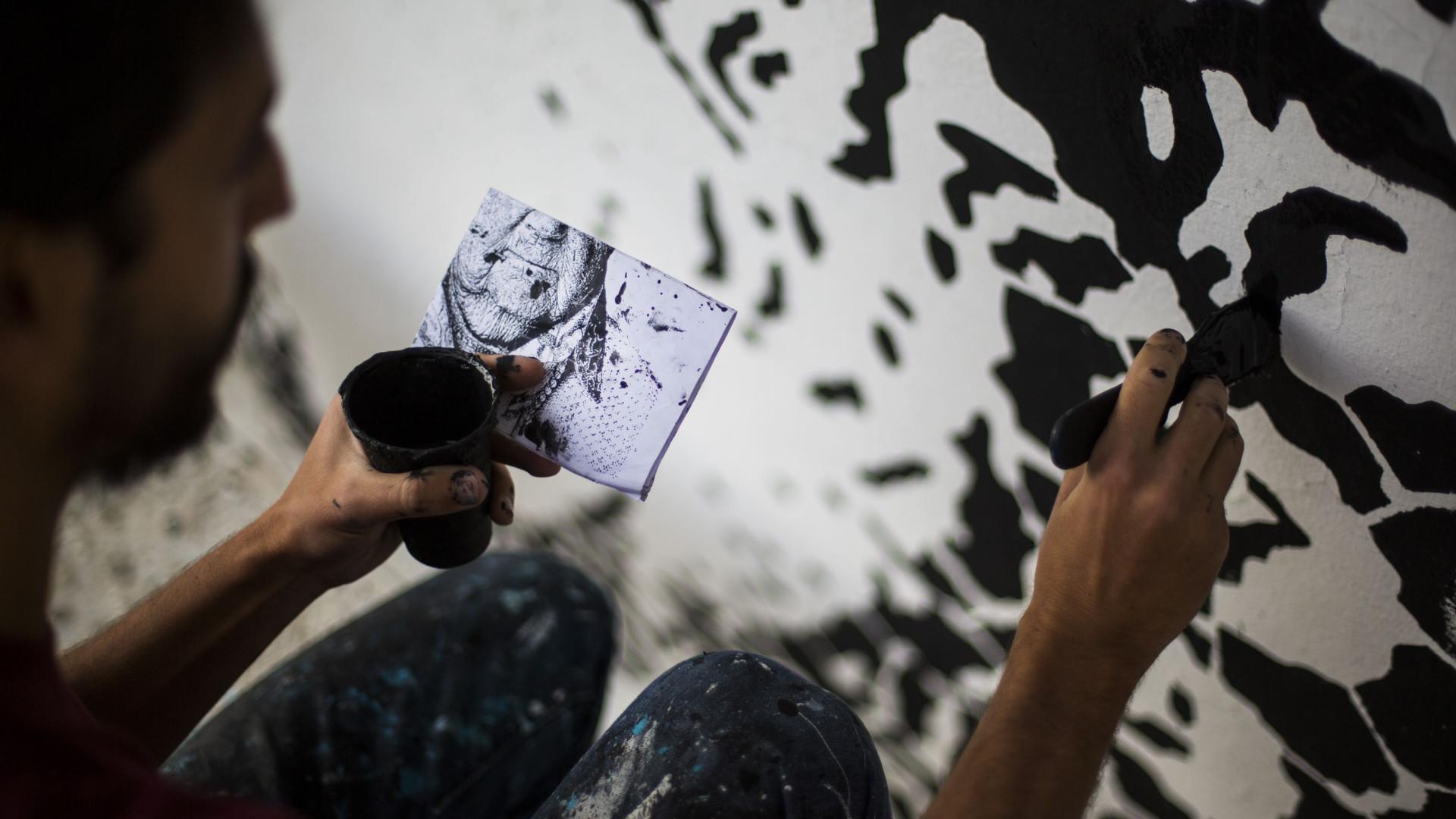 Daniel Eime, Odeith e Pantónio pintam murais na Amadora