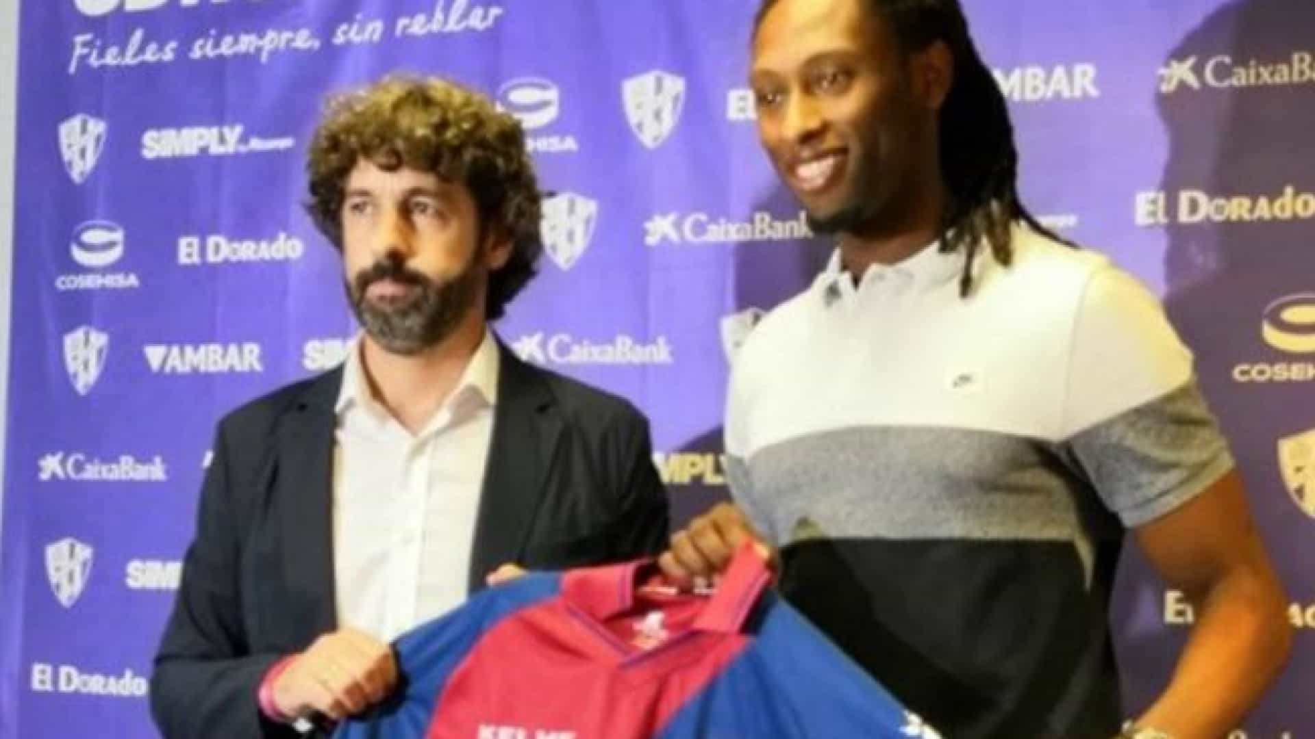 """Presidente do Huesca explica contratação de Rúben Semedo: """"É bom miúdo"""""""