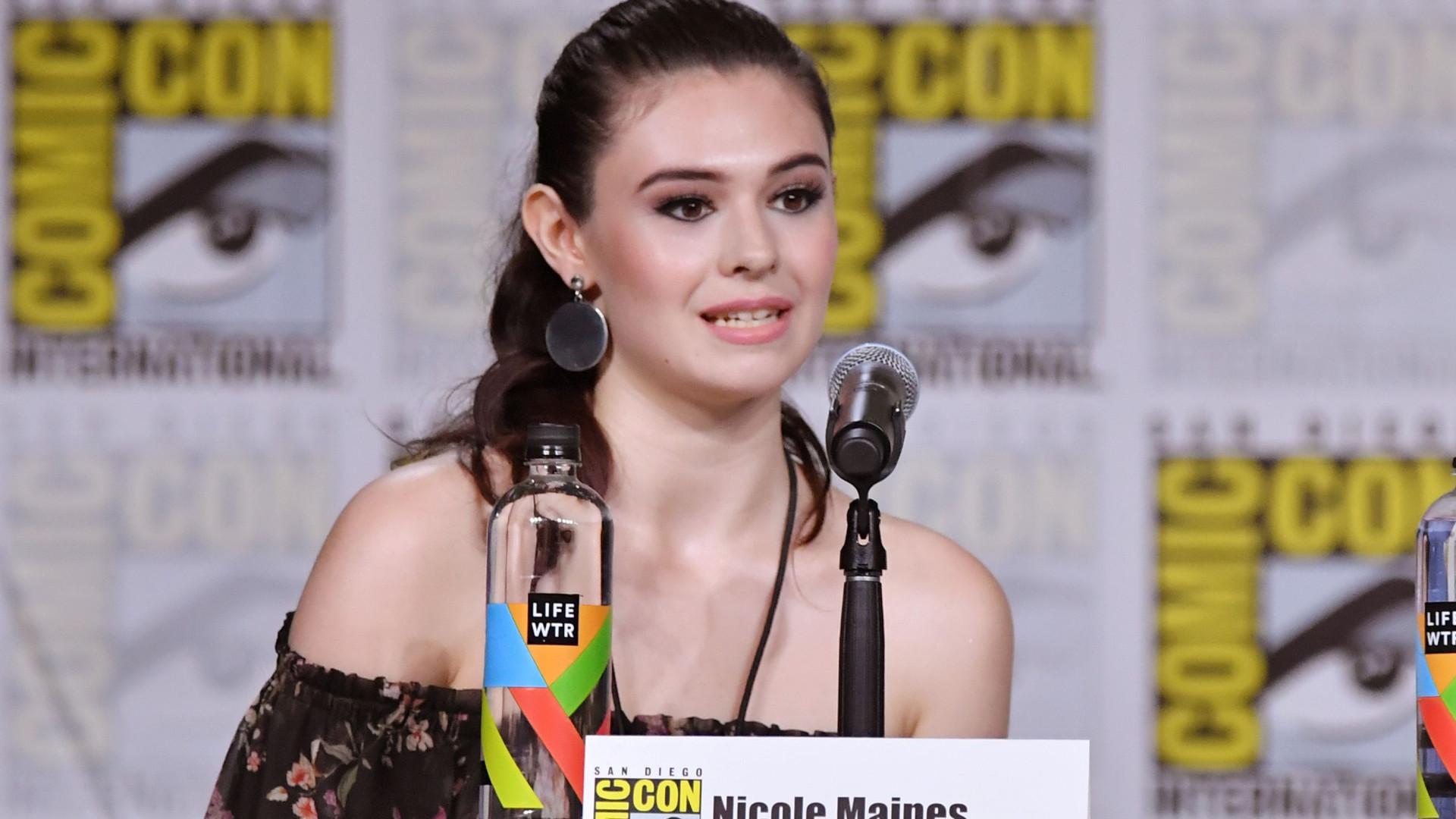 Série 'Supergirl' vai contar com primeiro super-herói transgénero na TV