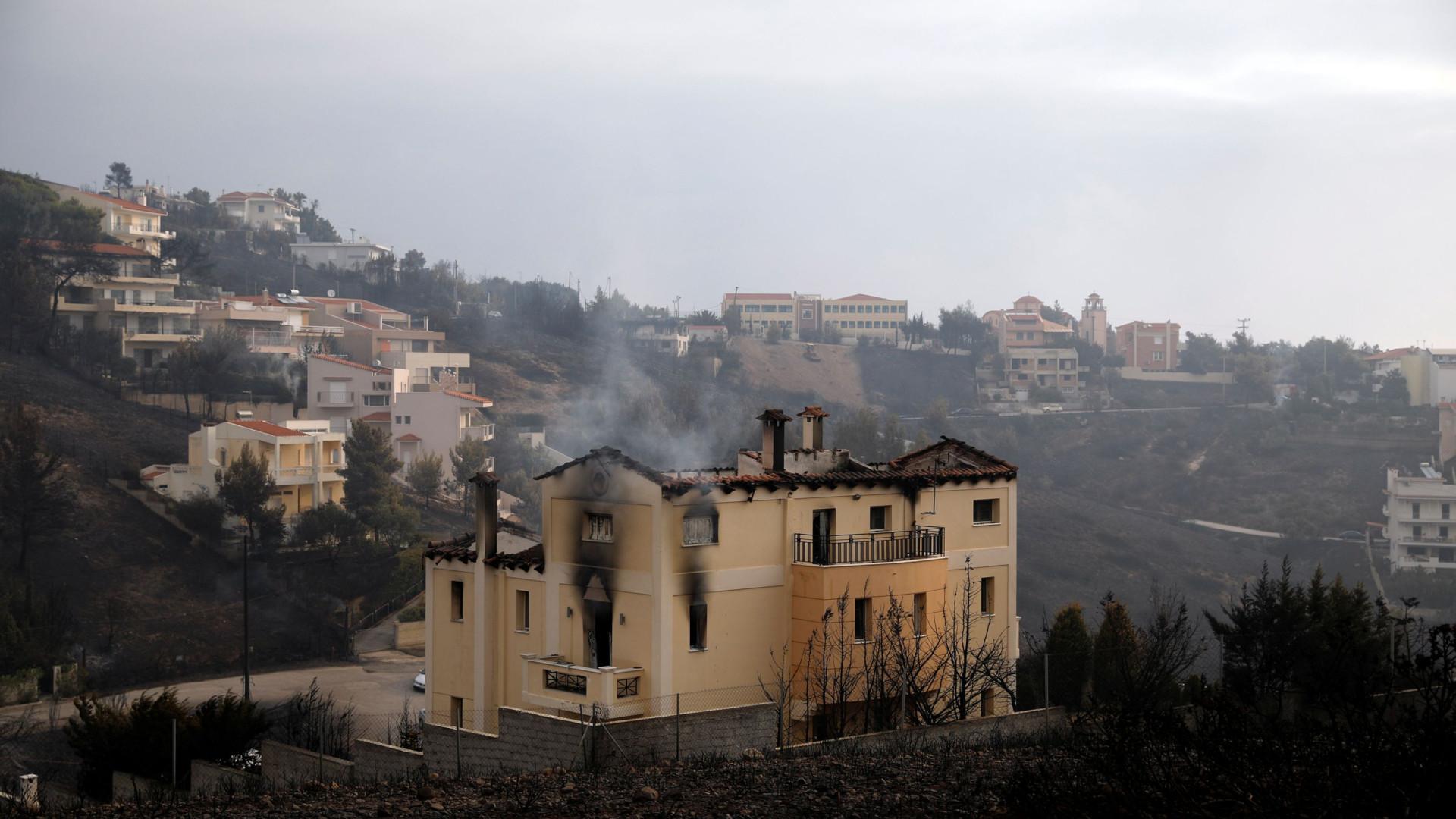 Balanço sobe para 94 mortos no incêndio de julho na Grécia