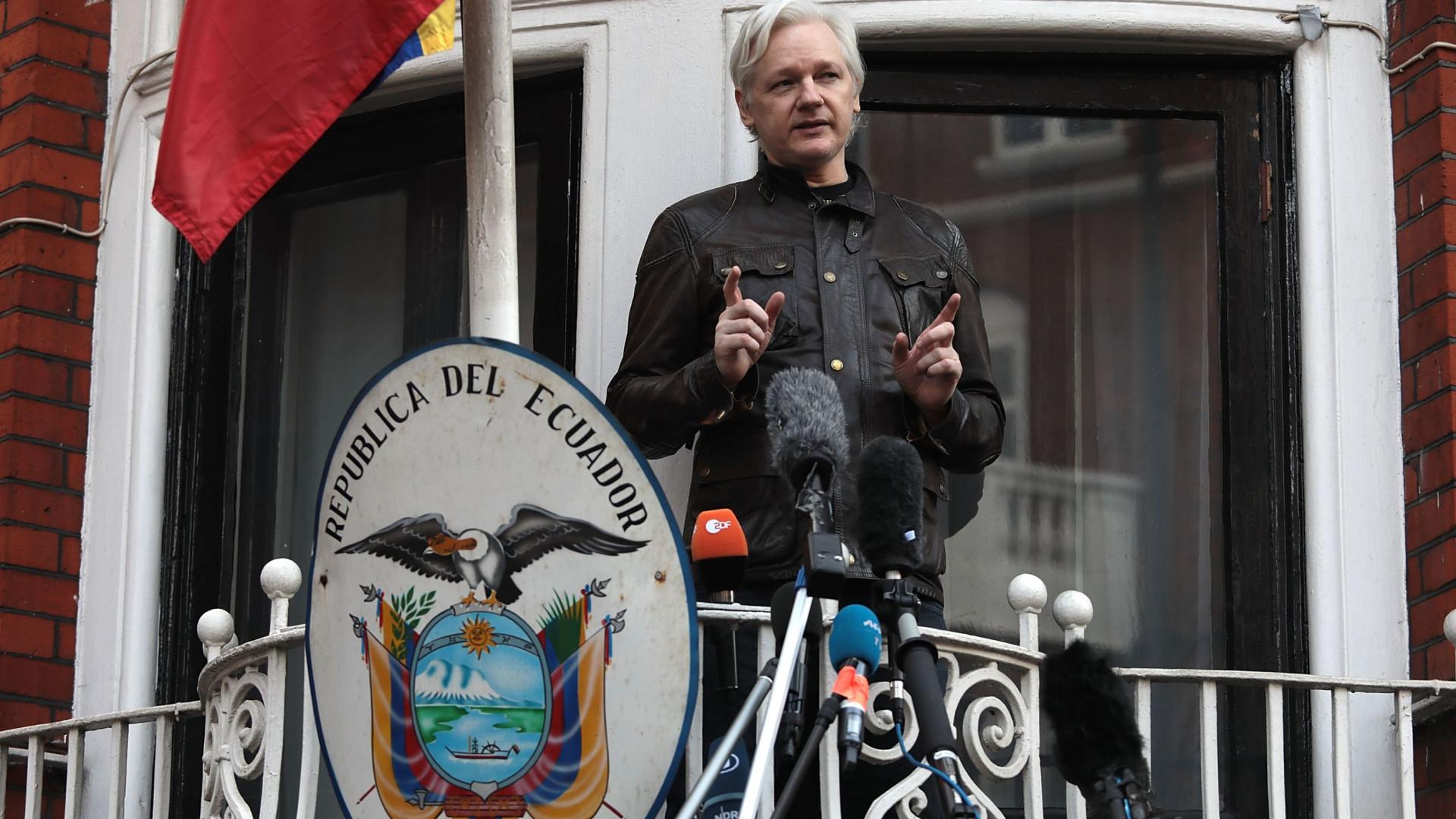 Julian Assange vai processar o Equador depois de ultimato