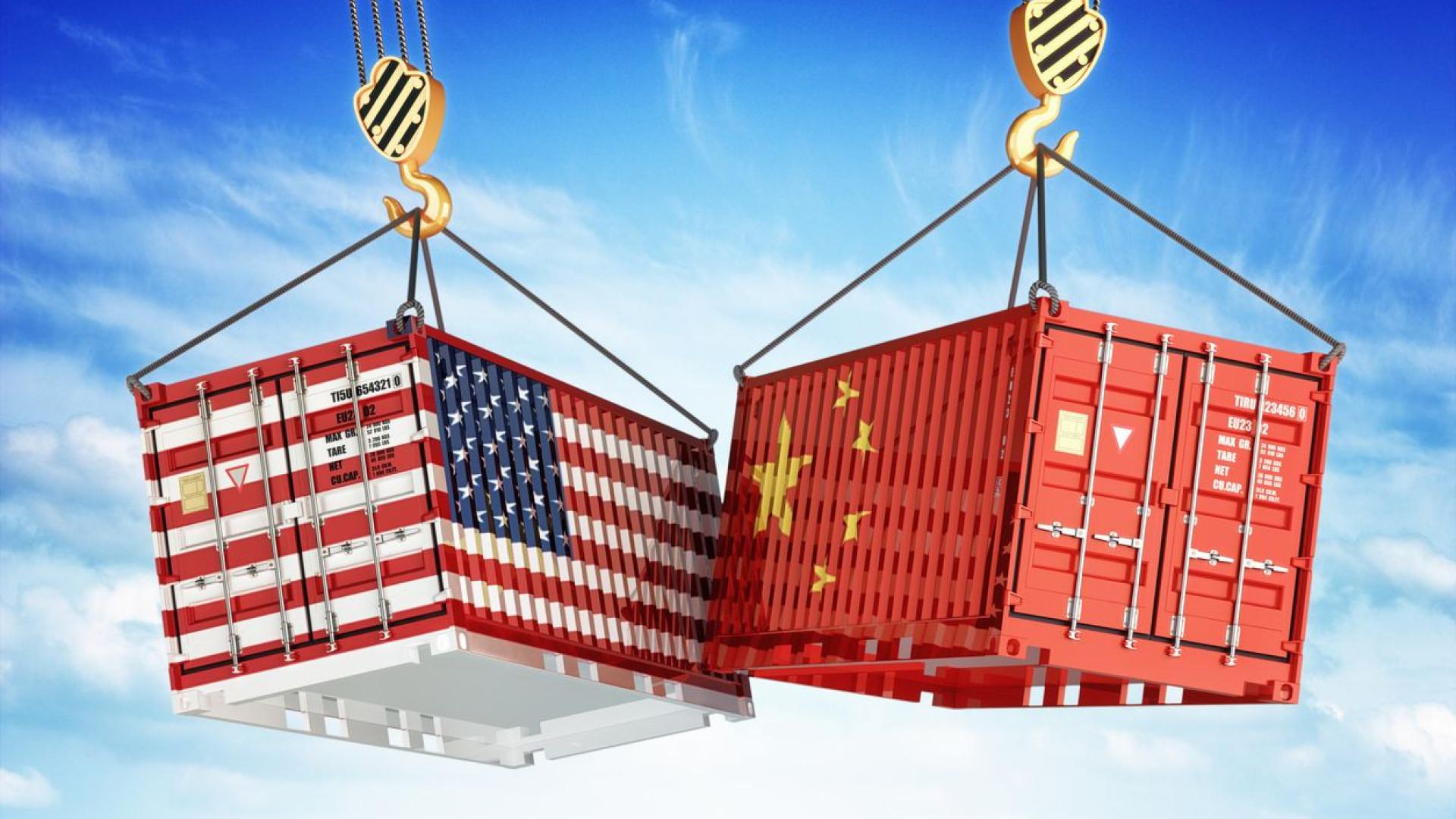 Governo dos EUA vai taxar mais importações chinesas a partir de dia 23