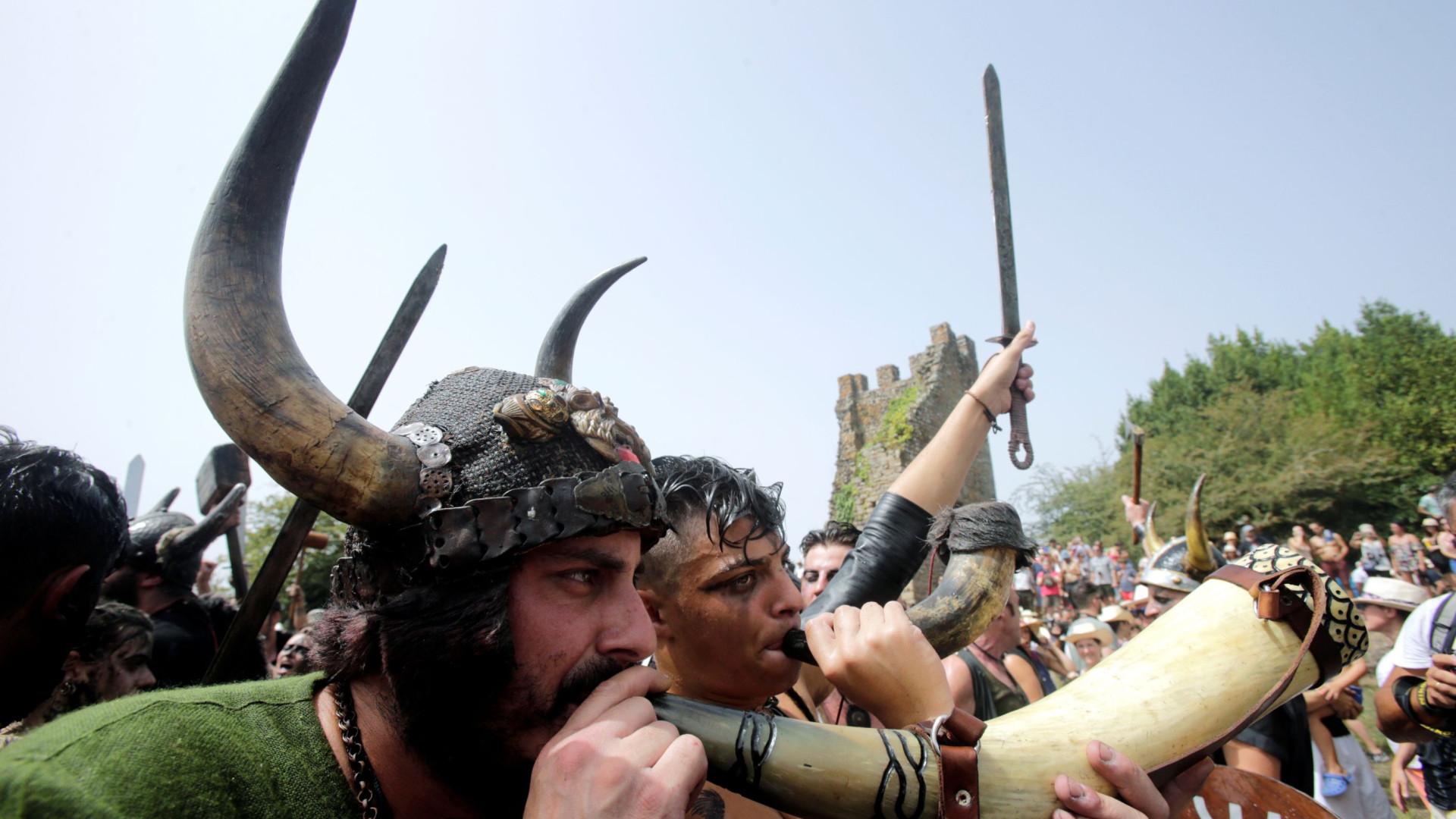 Todos os anos os vikings regressam à costa de Espanha... para festejar