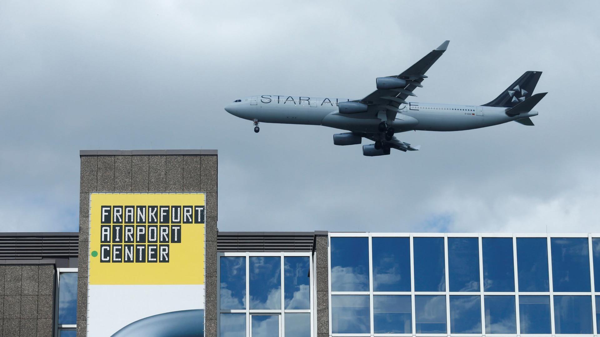 Terminal de aeroporto de Frankfurt reaberto após evacuação
