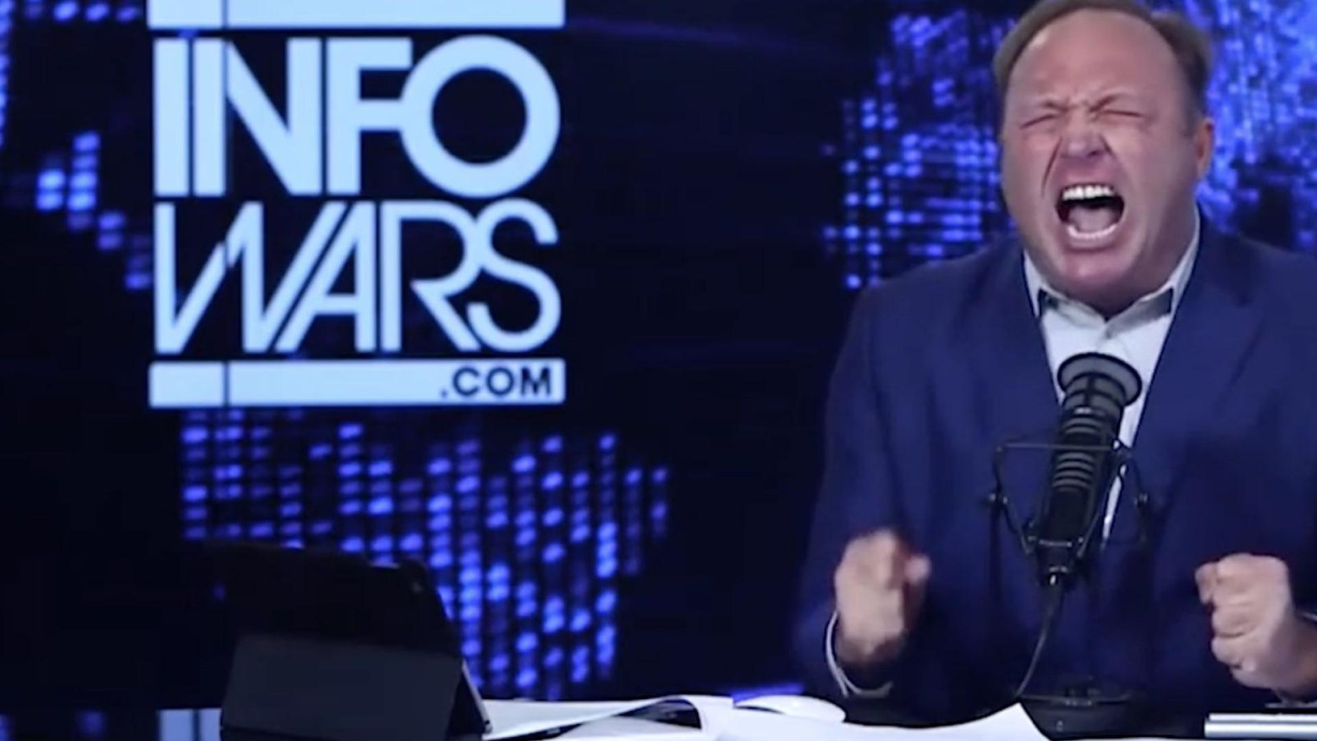 Conspiracionista banido por gigantes tecnológicas e site pornográfico