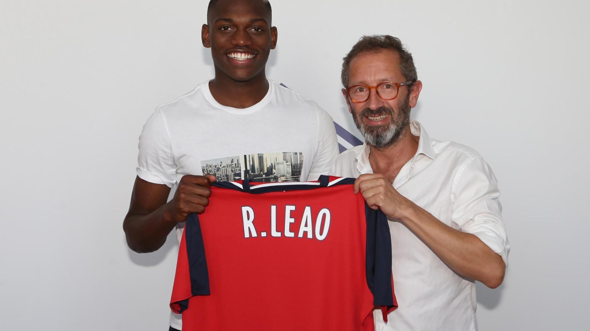 Rafael Leão impedido de jogar devido a problemas financeiros do Lille